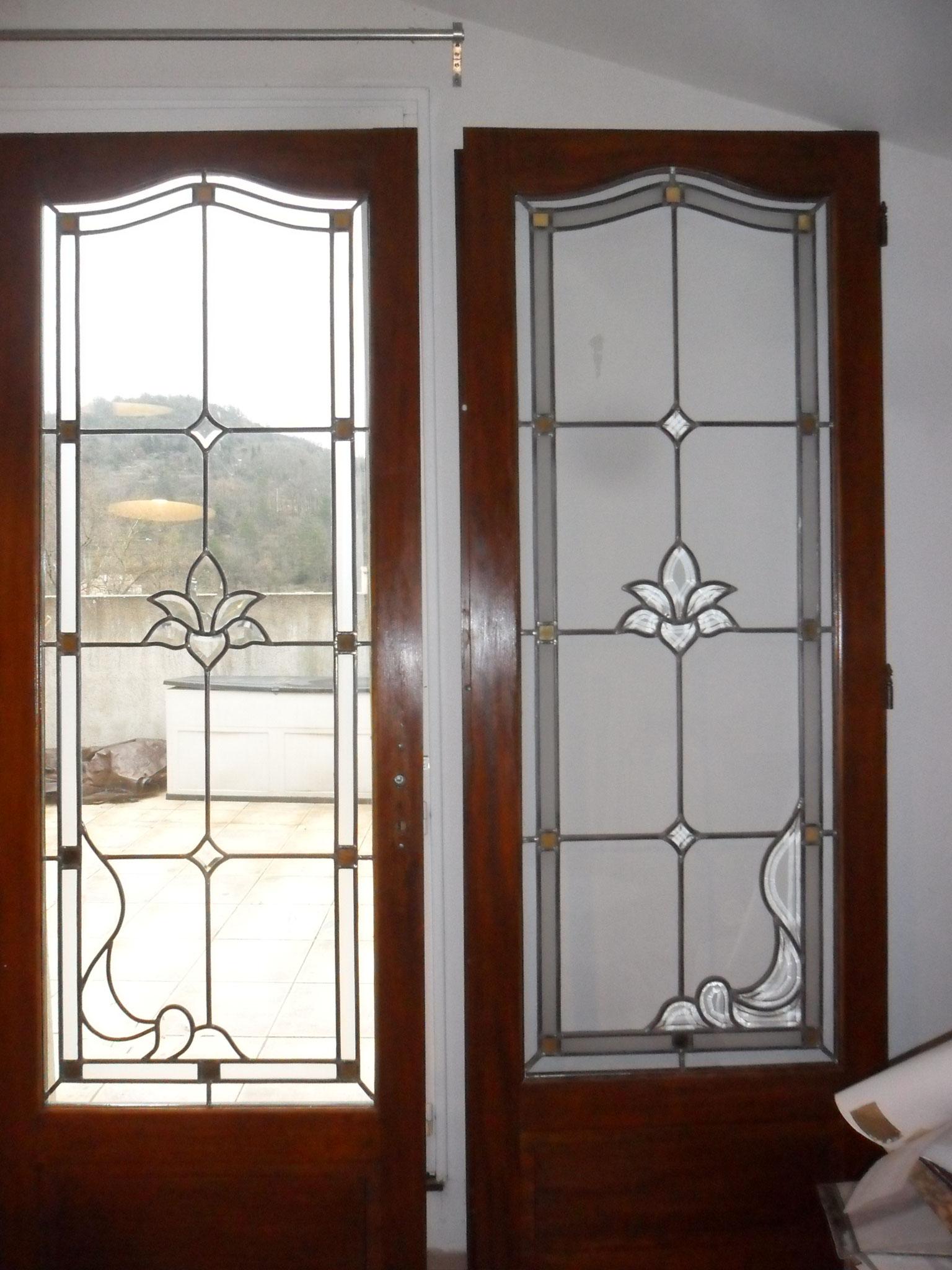 vitraux classiques art du vitrail cr ation et restauration languedoc. Black Bedroom Furniture Sets. Home Design Ideas