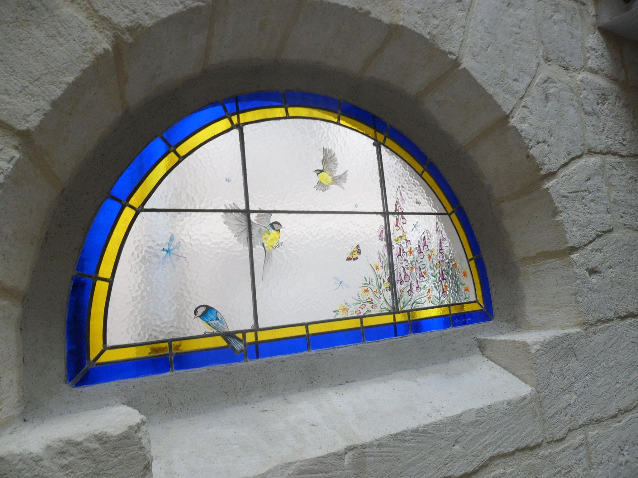 Vitrail aux oiseaux dans une cage d'escalier; Montpellier- création A.Salvagnac