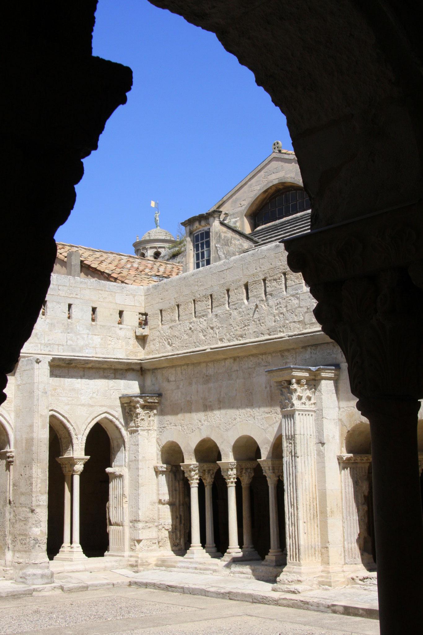 Bild: Kreuzgang von St.-Trophime, Arles, Provence