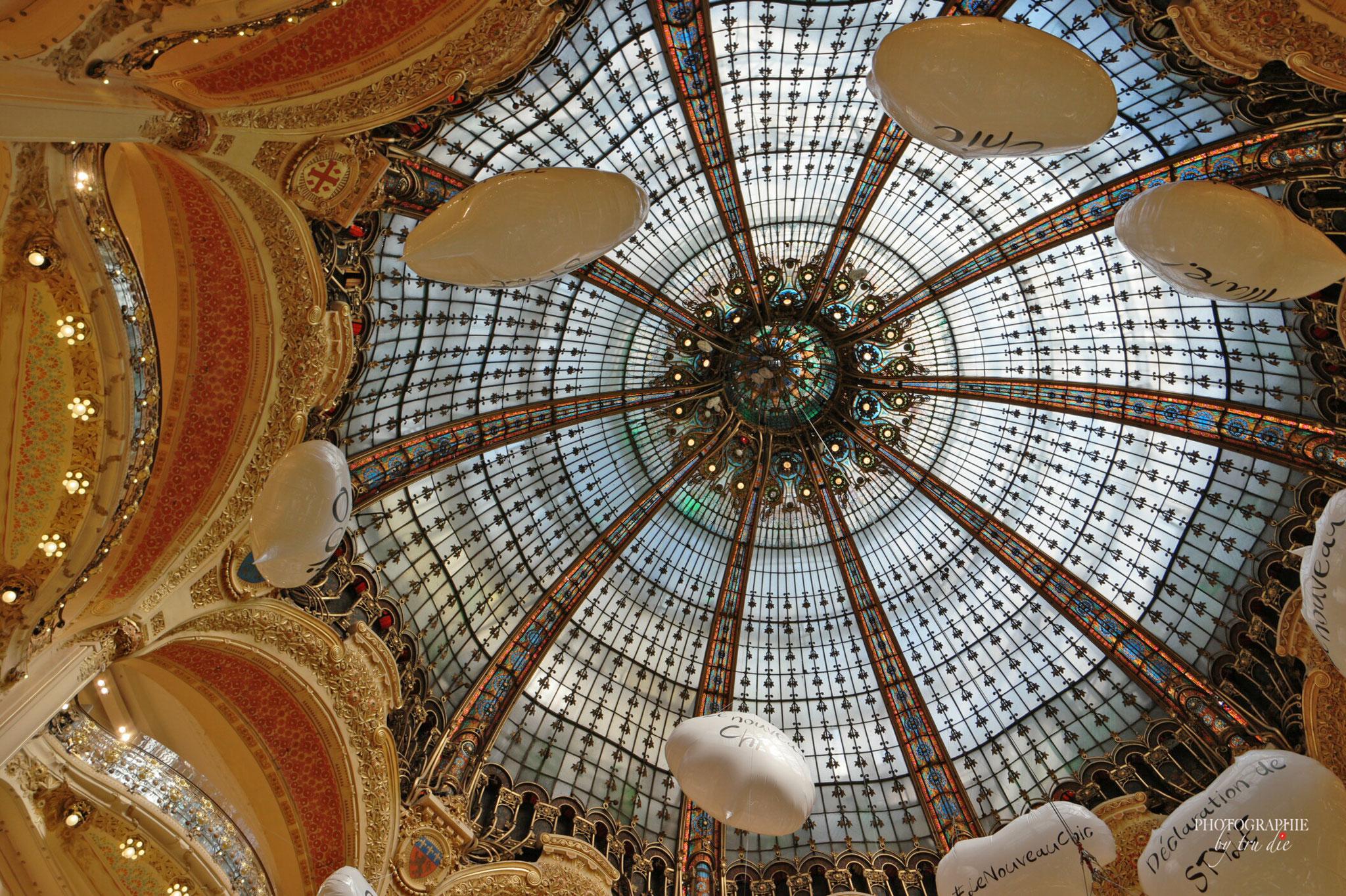 Bild: Galeries Lafayette mit Blick in die Kuppel, Paris