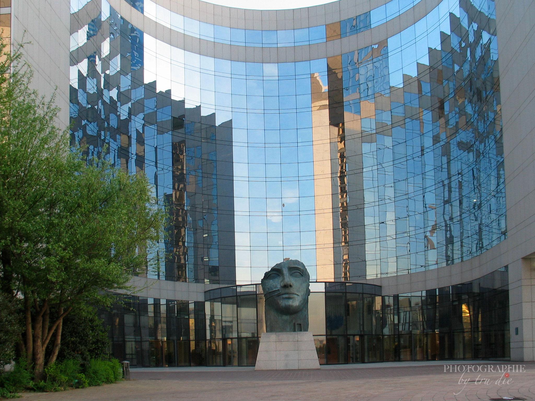 Bild: Wolkenkratzer im Büroviertel La Défense
