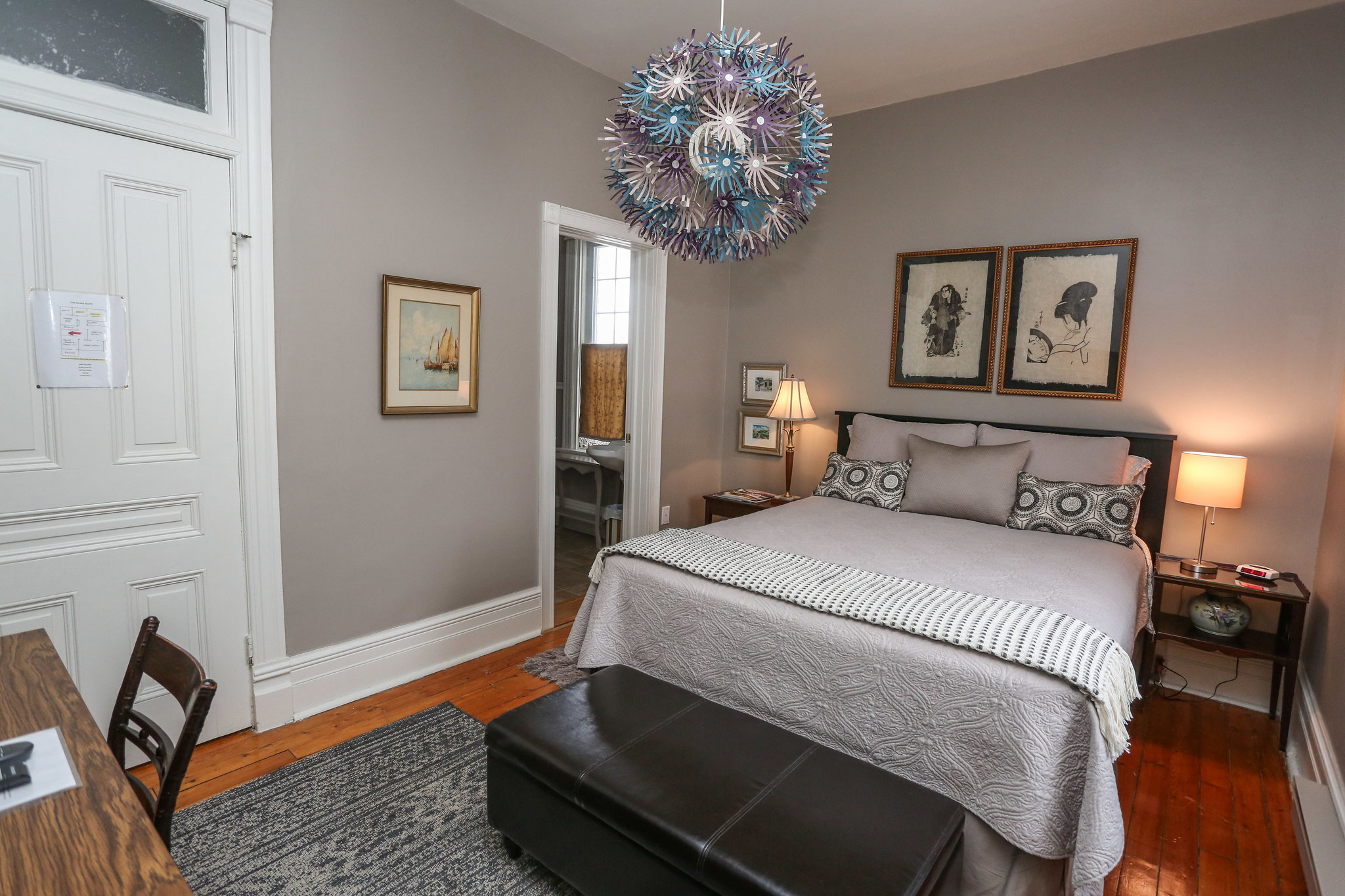 Queen Room with Ensuite (Radford Room)