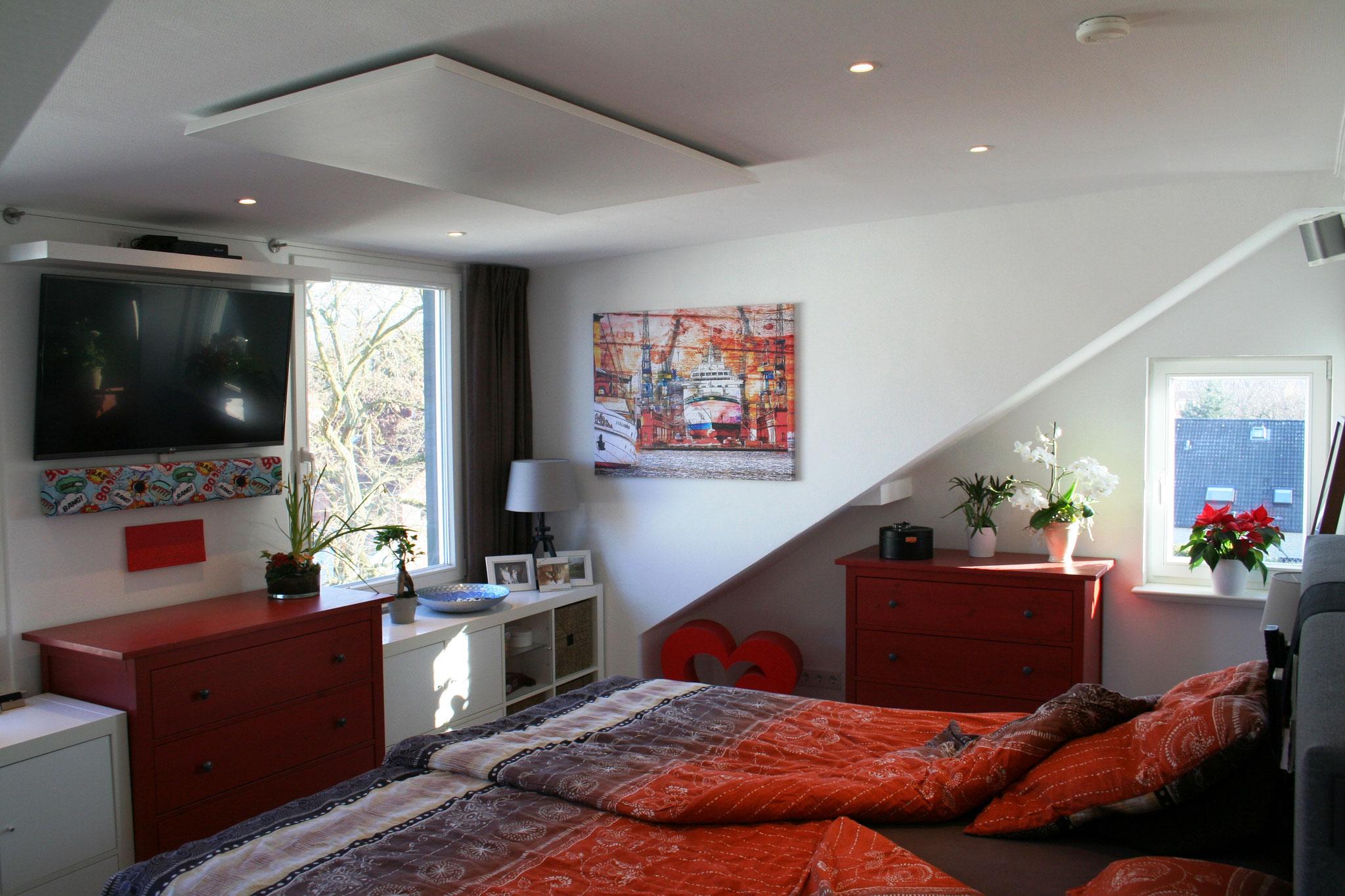 REDPUR / HALLER Infrarotheizung Deckenmontage im Schlafzimmer