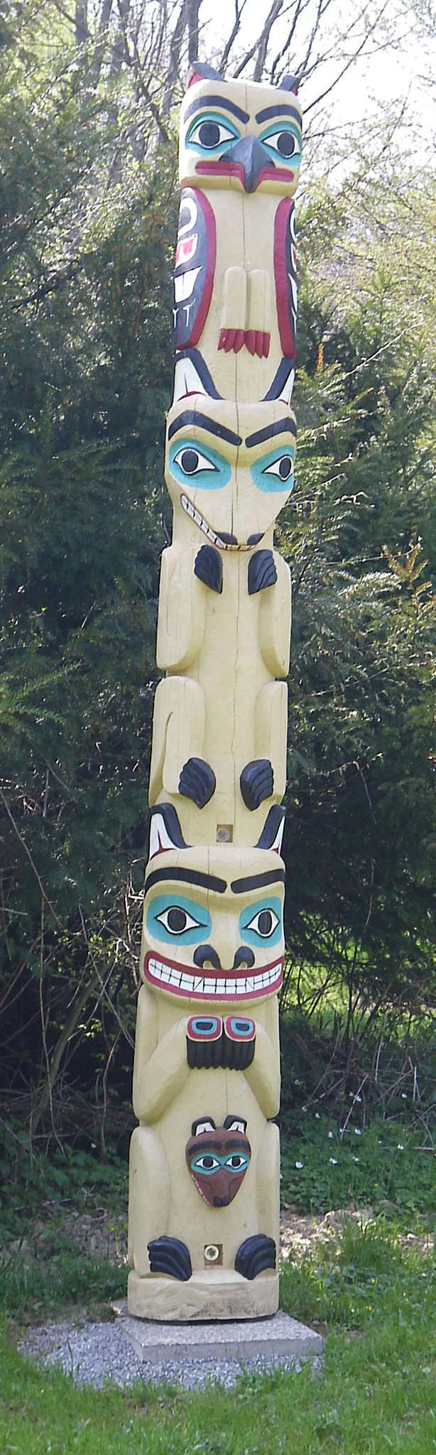 Fichtenstamm, ca. 4m hoch, Adler-Wolf-Bär