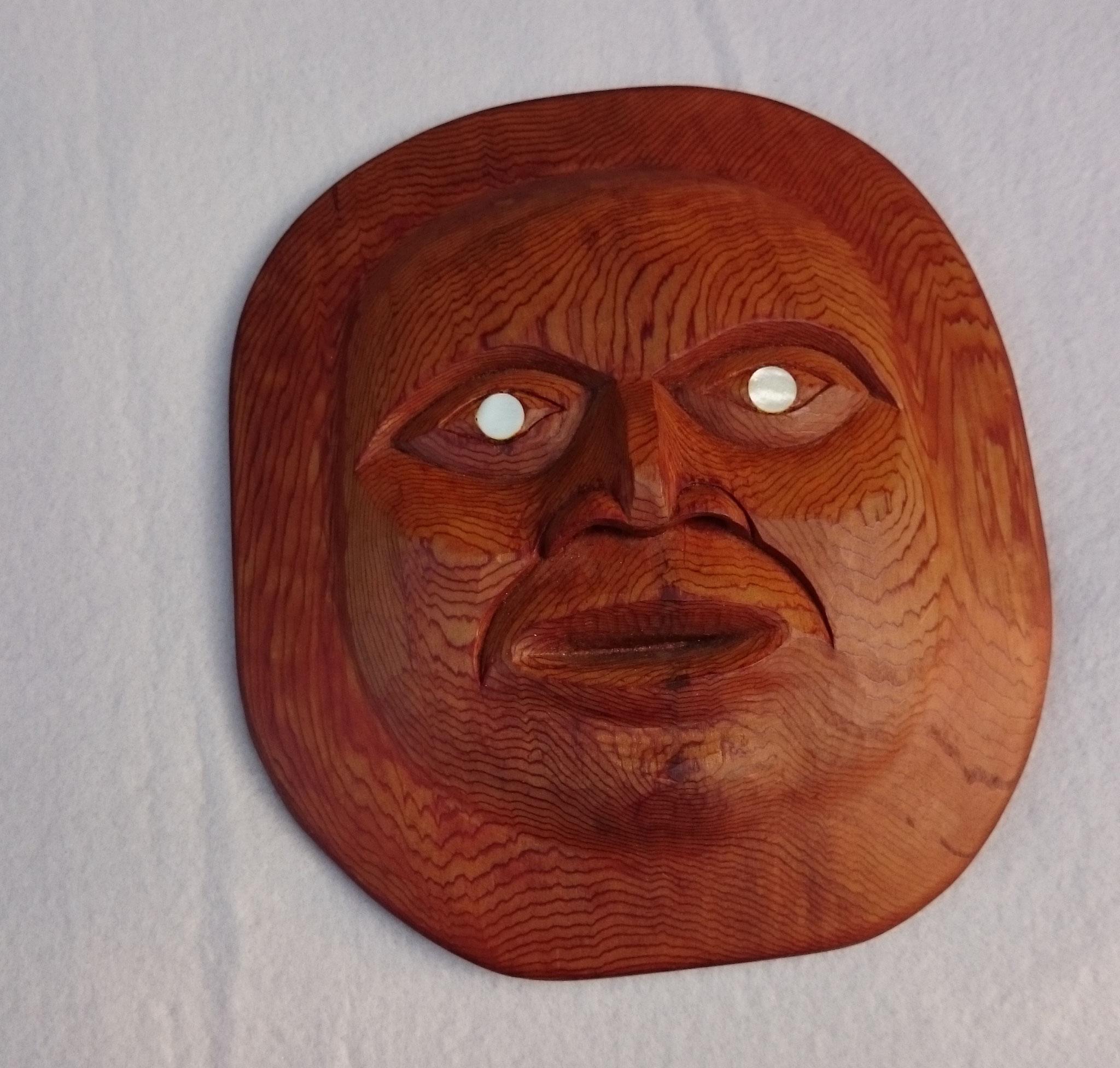 Motiv: Mond, western red cedar mit Perlmutteinlage