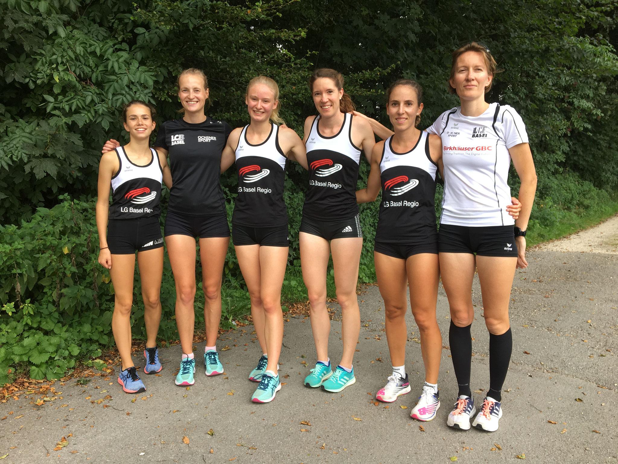 (v.li.n.re) Claudia Cook; Christina Reichelt; Katja Schmid; Priska Auf der Maur; Kathrin Ziegler; Sibylle Dürrenmatt