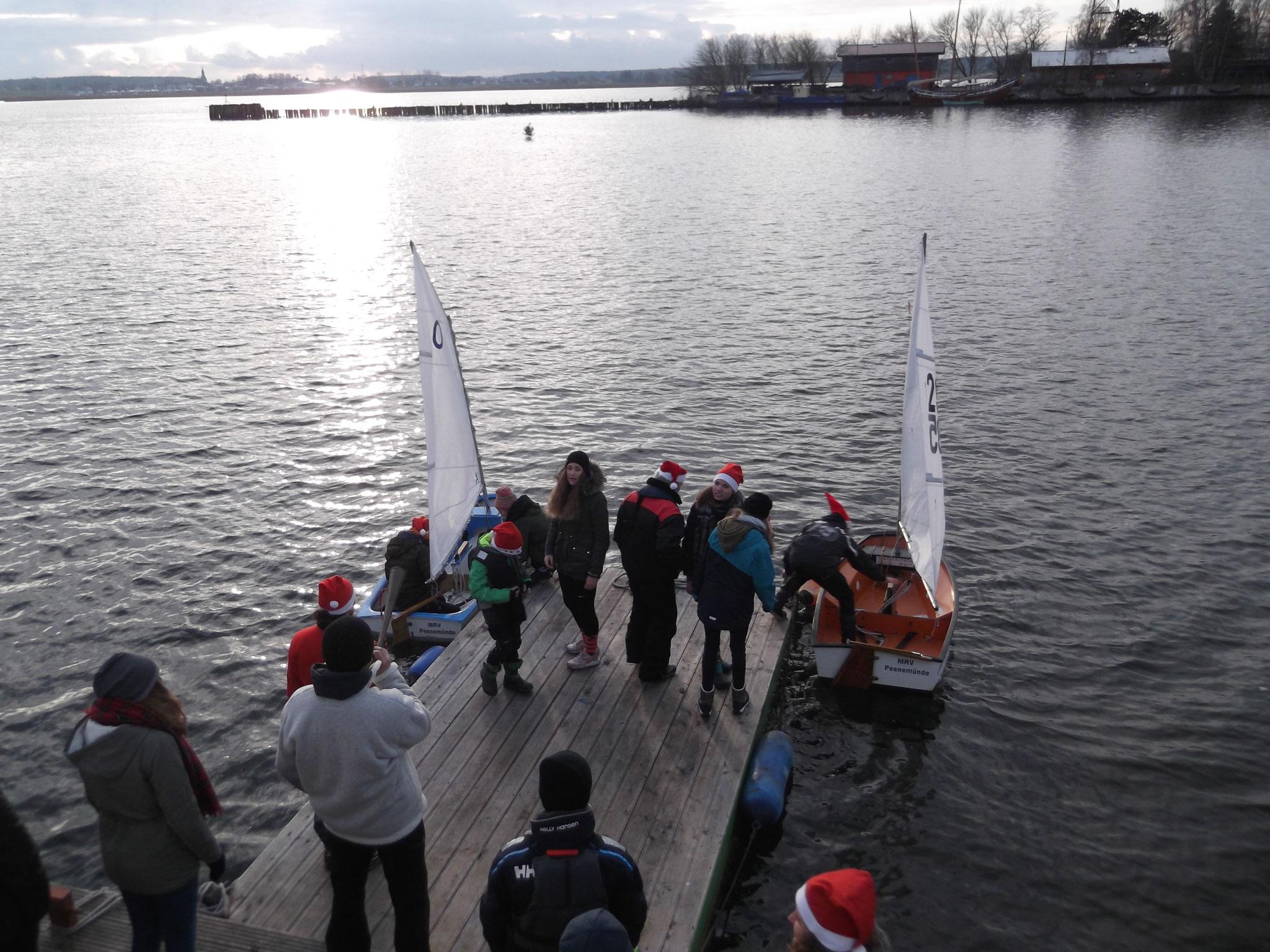 """Signal zum Start – einmal um die schwimmende """"Tanne"""" segeln"""