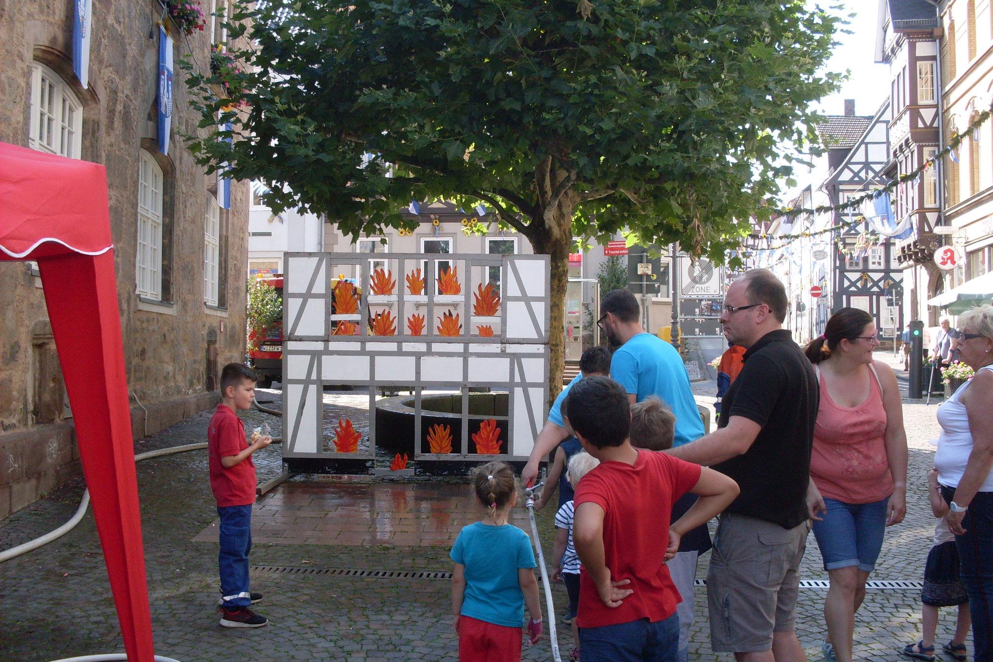Am Samstag, 24.08.2019 fand auf dem Marktplatz das Kinderfest statt. Hierzu hatten wir unsere Wasserwand aufgebaut.