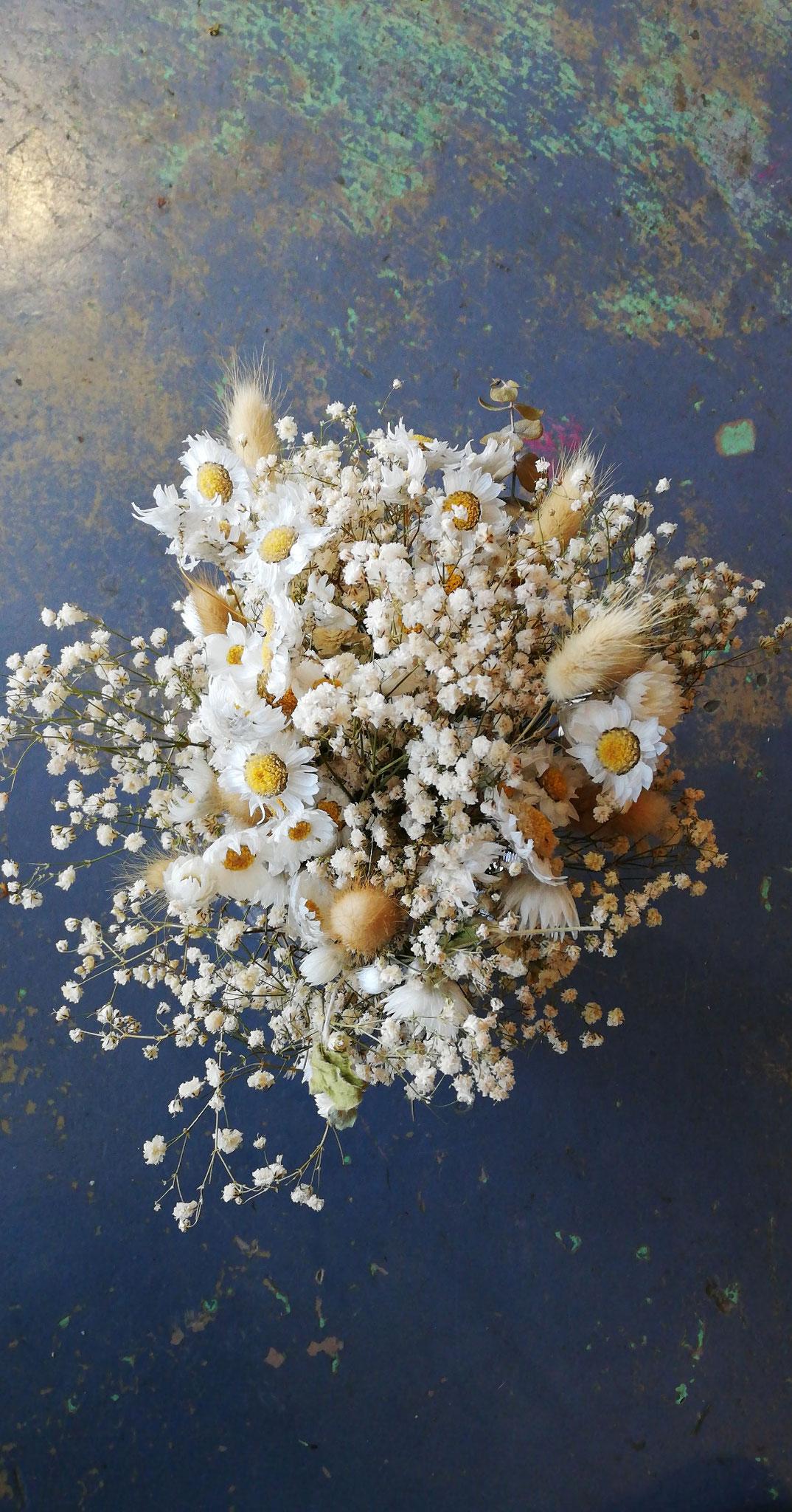 Bouquet sec (immortelles, gypsophile) à partir  25€