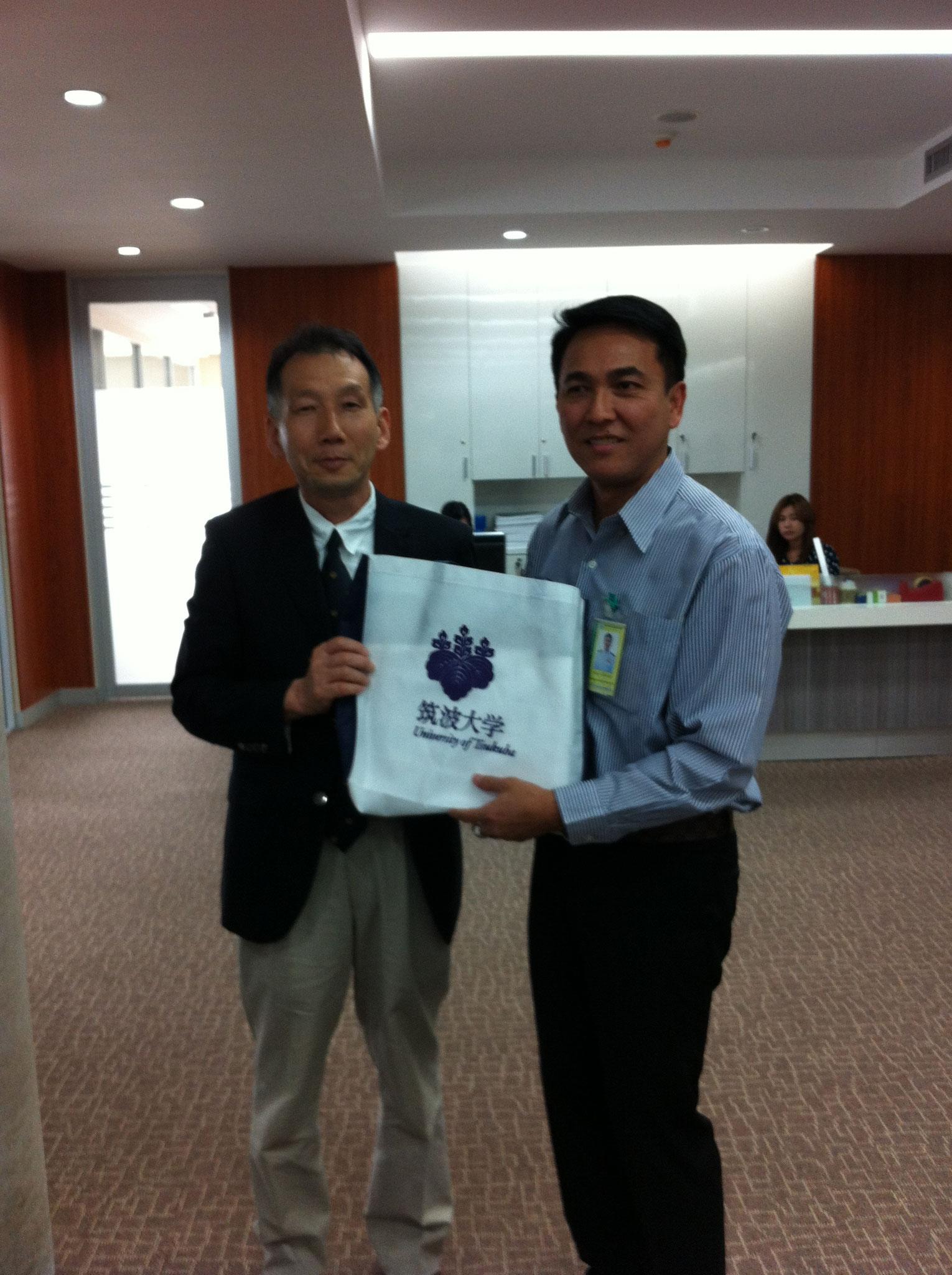 ウドンタニ市長と山田先生