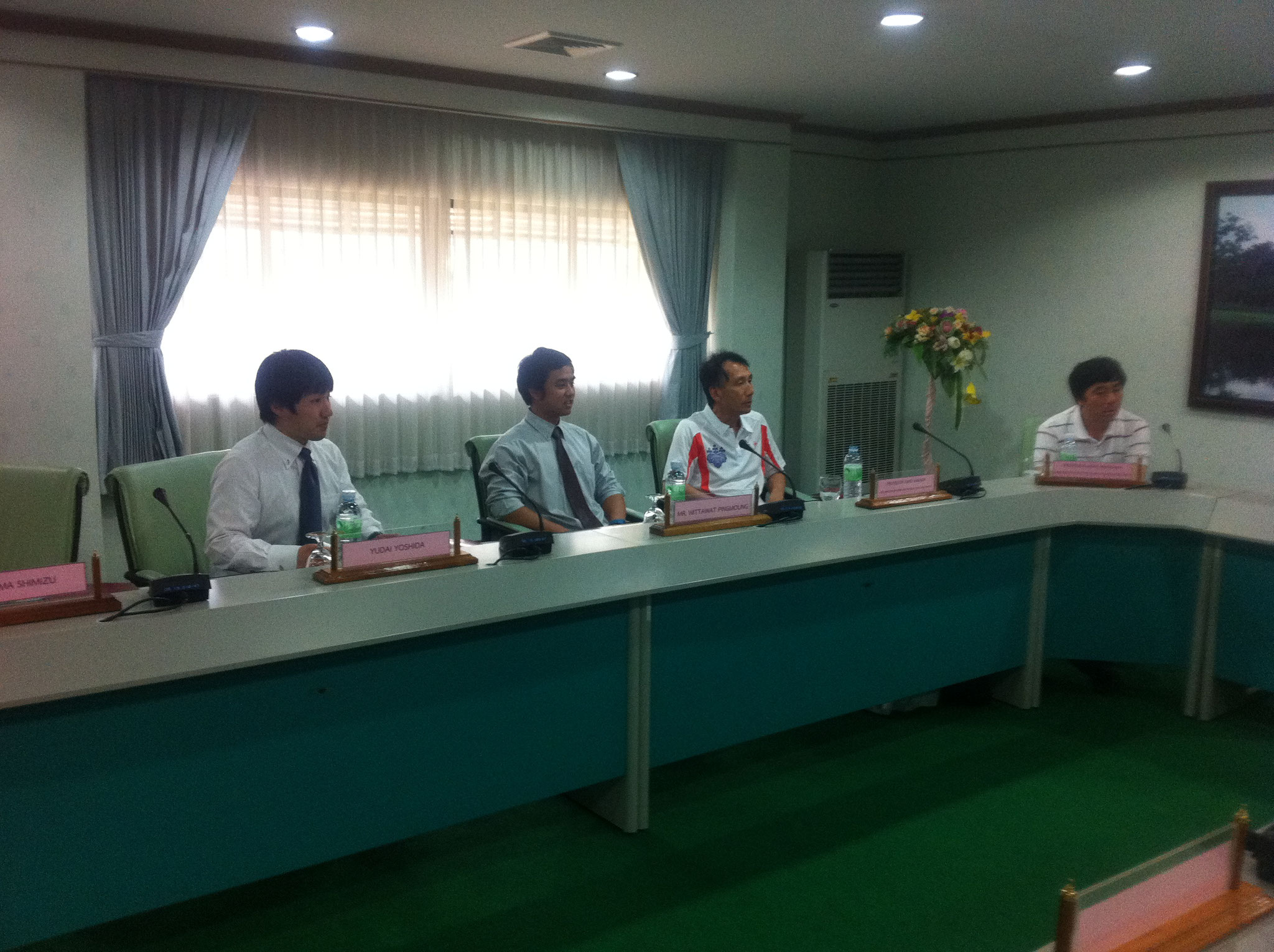北タイのスポーツ事情について会談