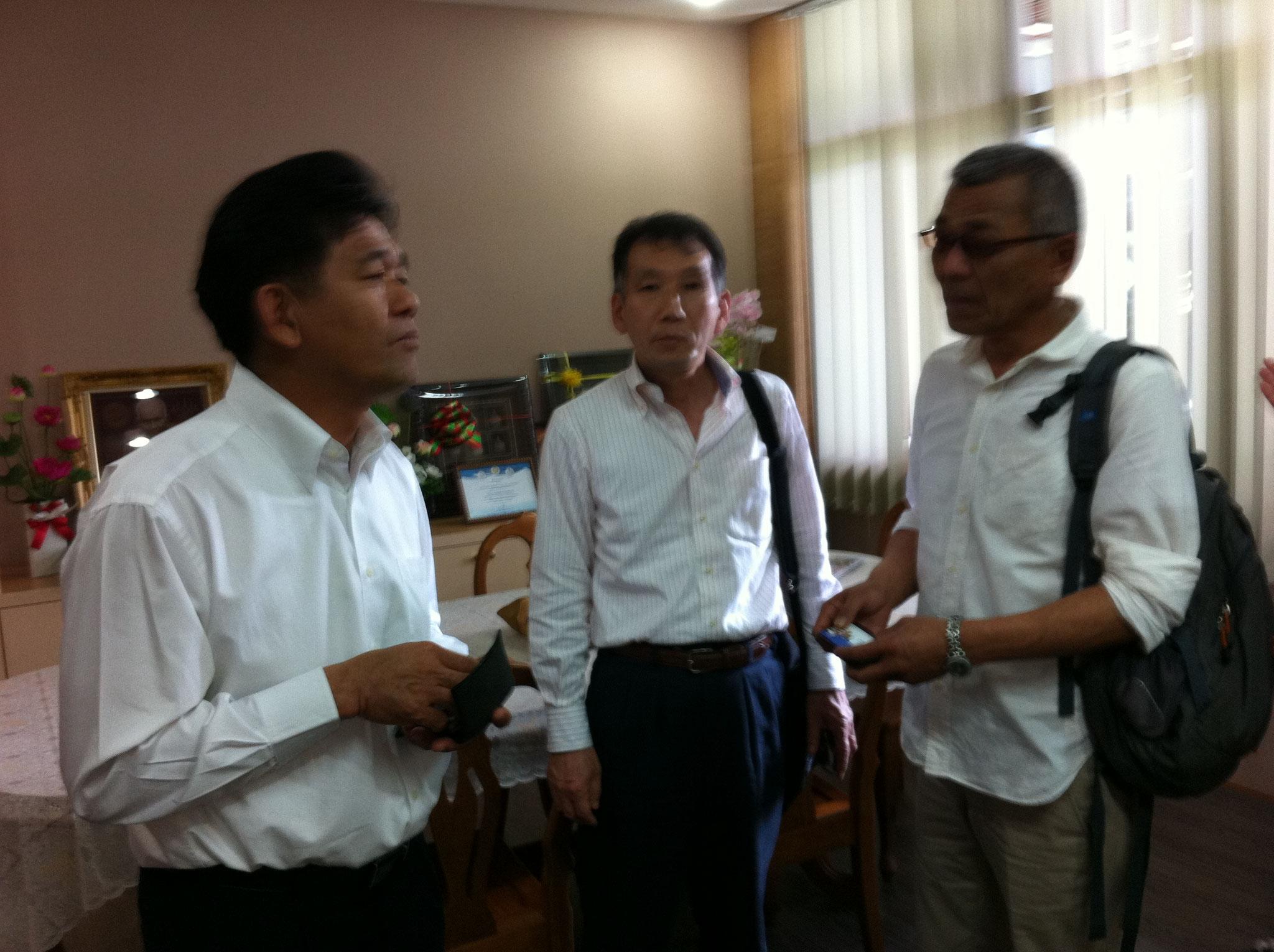 市庁舎を訪問し市長と意見交換