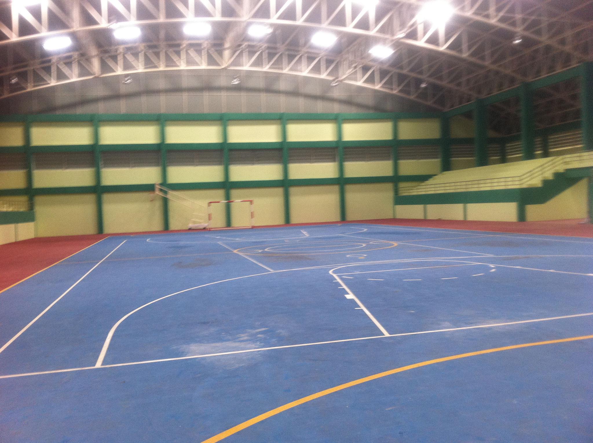スポーツコンプレックス内屋内競技場