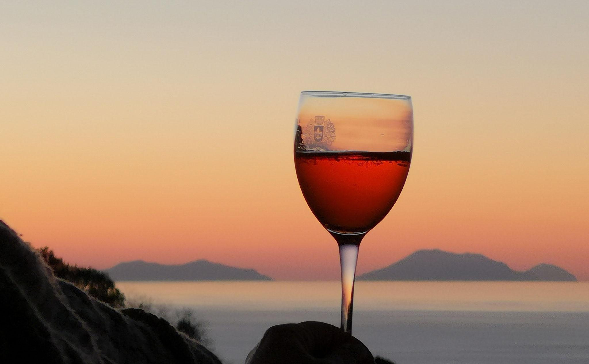 Salute Glas mit Abendstimmung © Ferienwohnung Spilinga | Tropea | Kalabrien - Casa Belle Vacanze