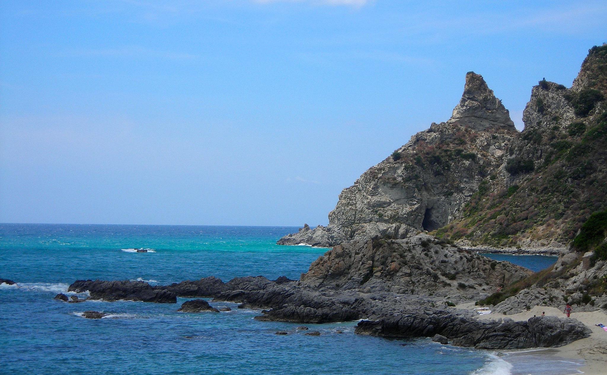 Bucht mit Felsen © Ferienwohnung Spilinga | Tropea | Kalabrien - Casa Belle Vacanze