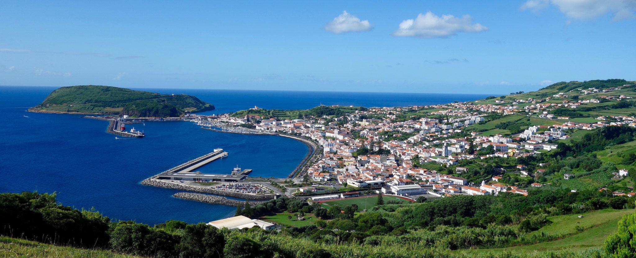Hortas Hafen mit Monte da Guia