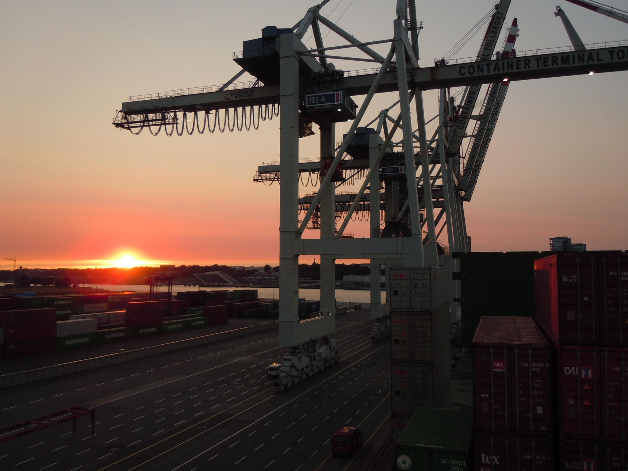 1. Abend an Bord in Hamburg