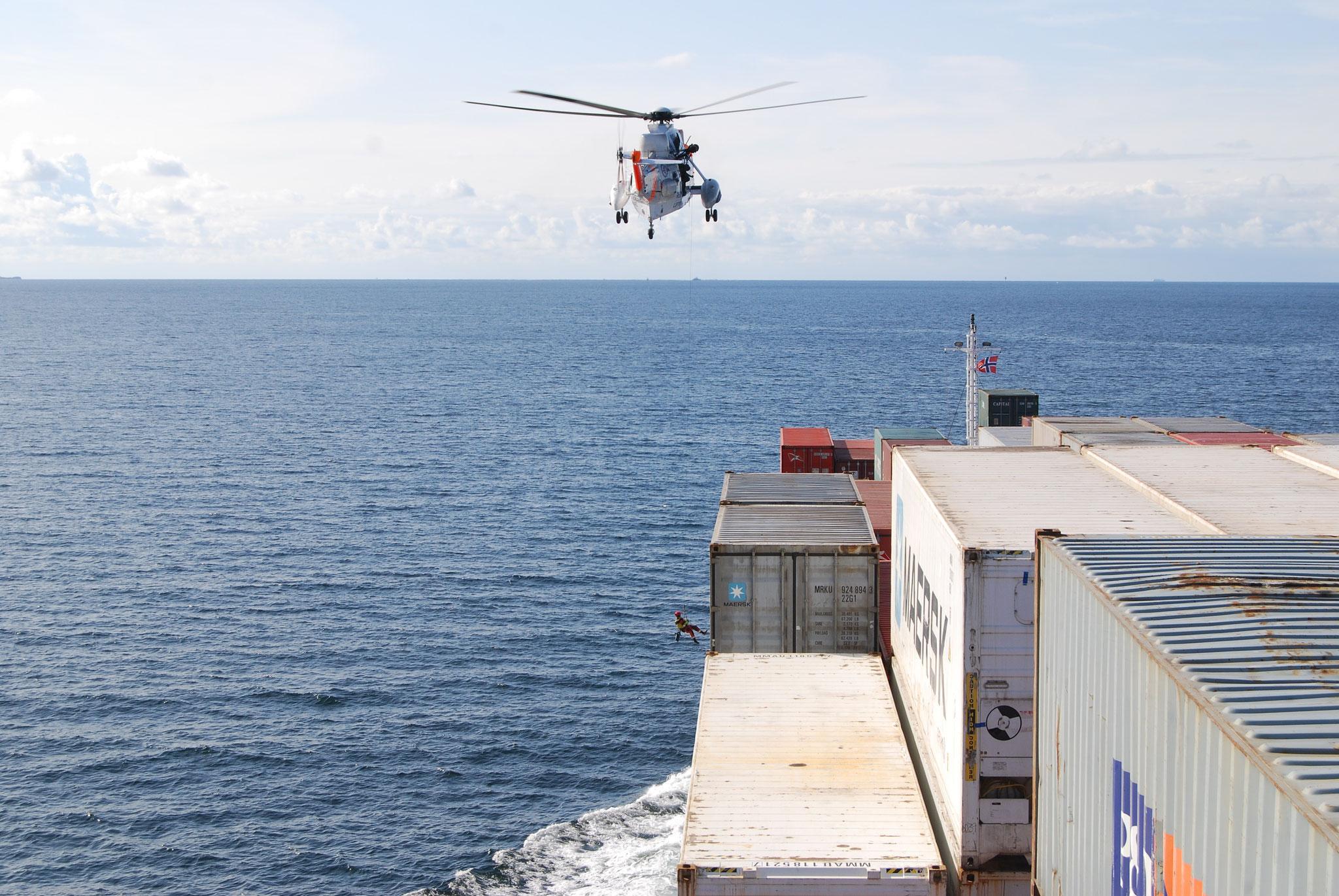 Luftrettungsübung vor norwegischer Küste