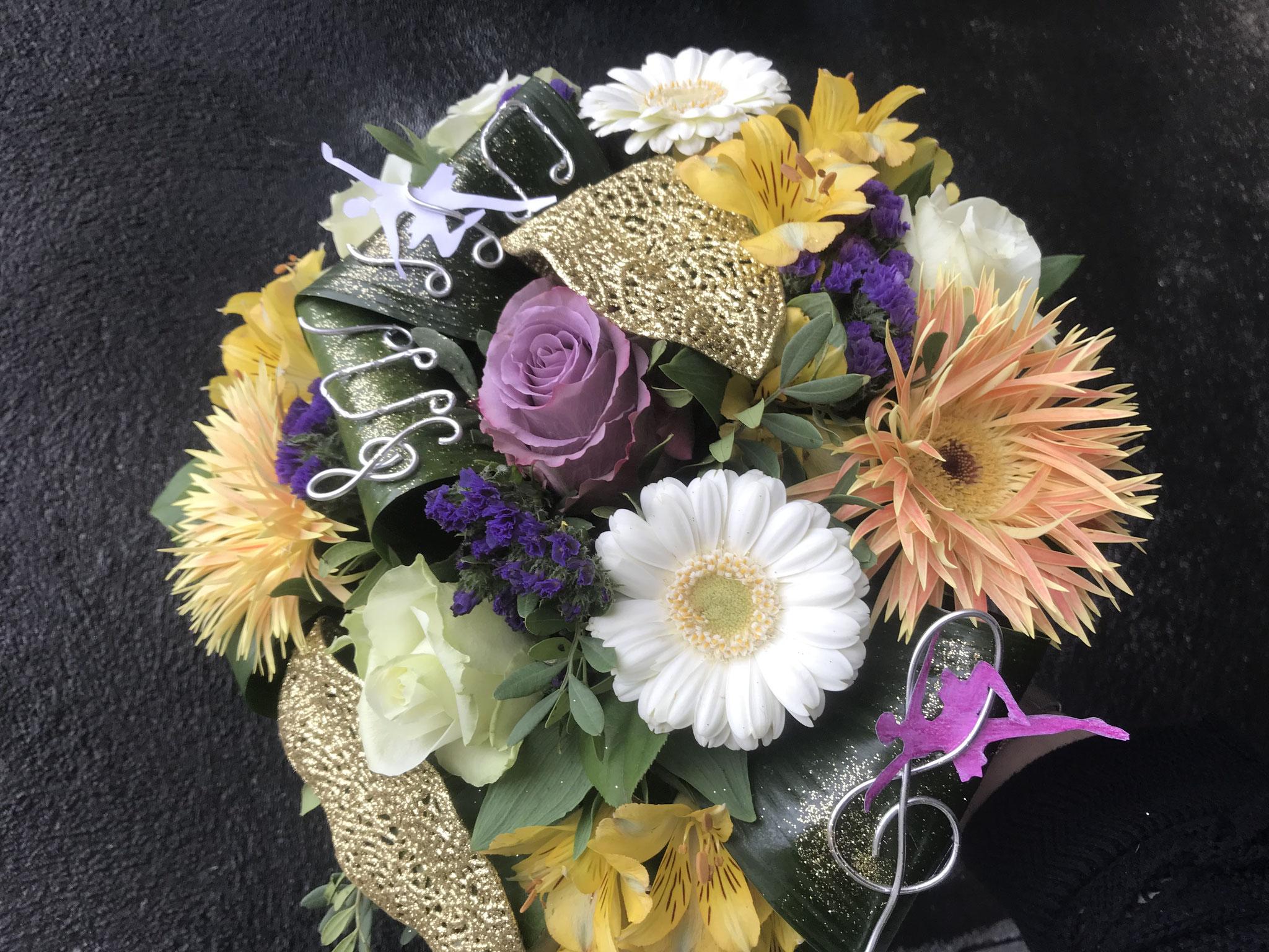 """Bouquet rond sur le thème """"Fame"""""""