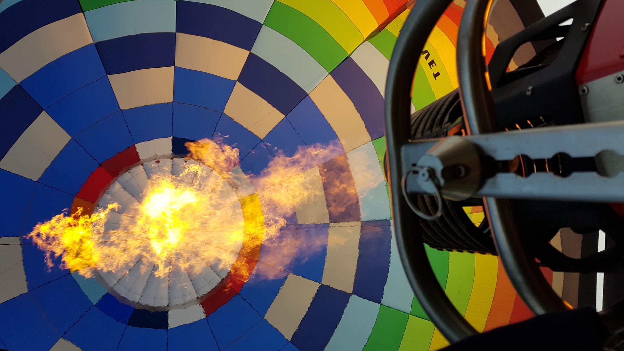 Binnenkant van de ballon met brander