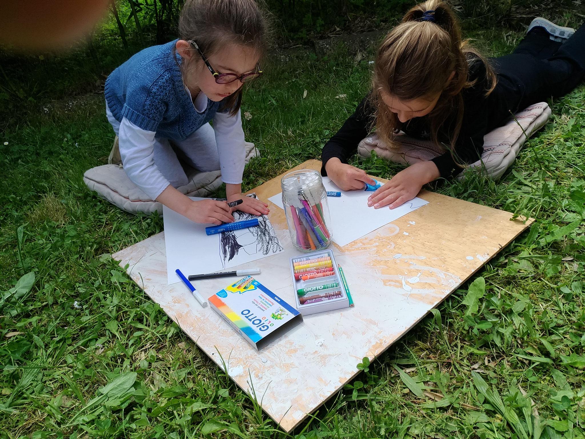 Création extérieure dans le jardin de l'atelier