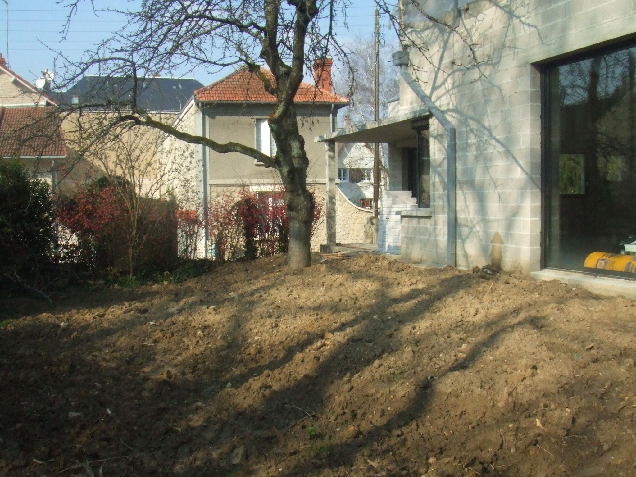 aménagement de terrasse minerale et bois avant