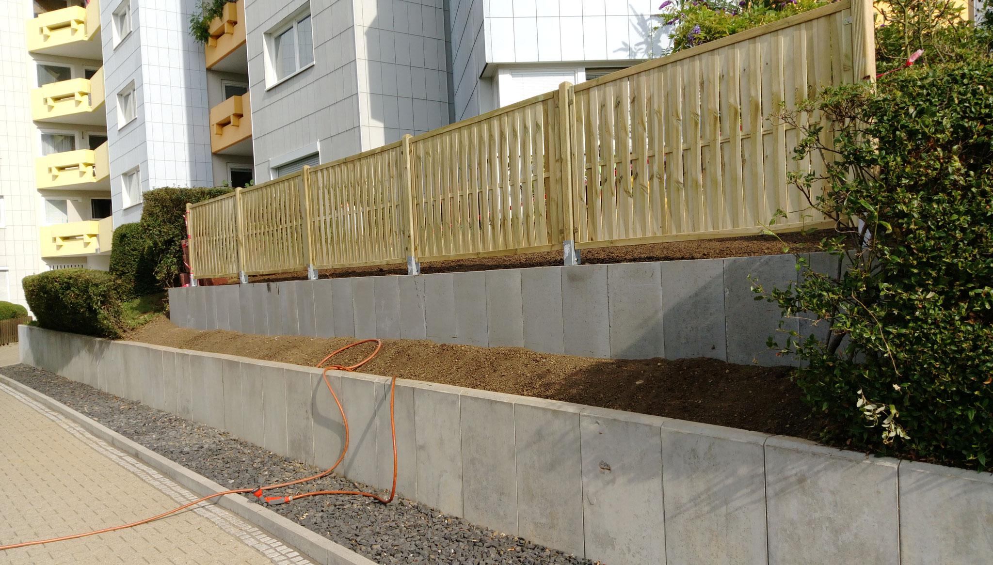 beton h steine betonsteine mauern anleitung in 4. Black Bedroom Furniture Sets. Home Design Ideas