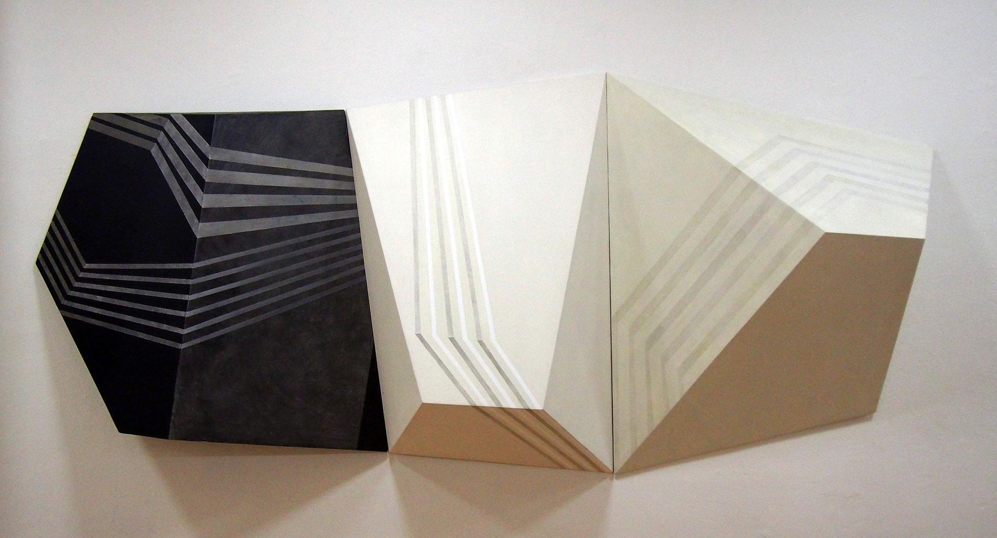 Repercusión (tríptico) Acrílico y grafito sobre estructura de madera