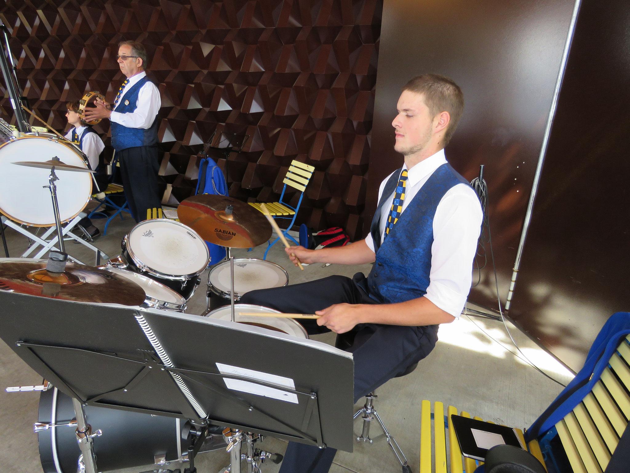 Die Musikgesellschaft Vitznau unter der Leitung von Simon Theiler gab im Anschluss ein kleines Konzert.