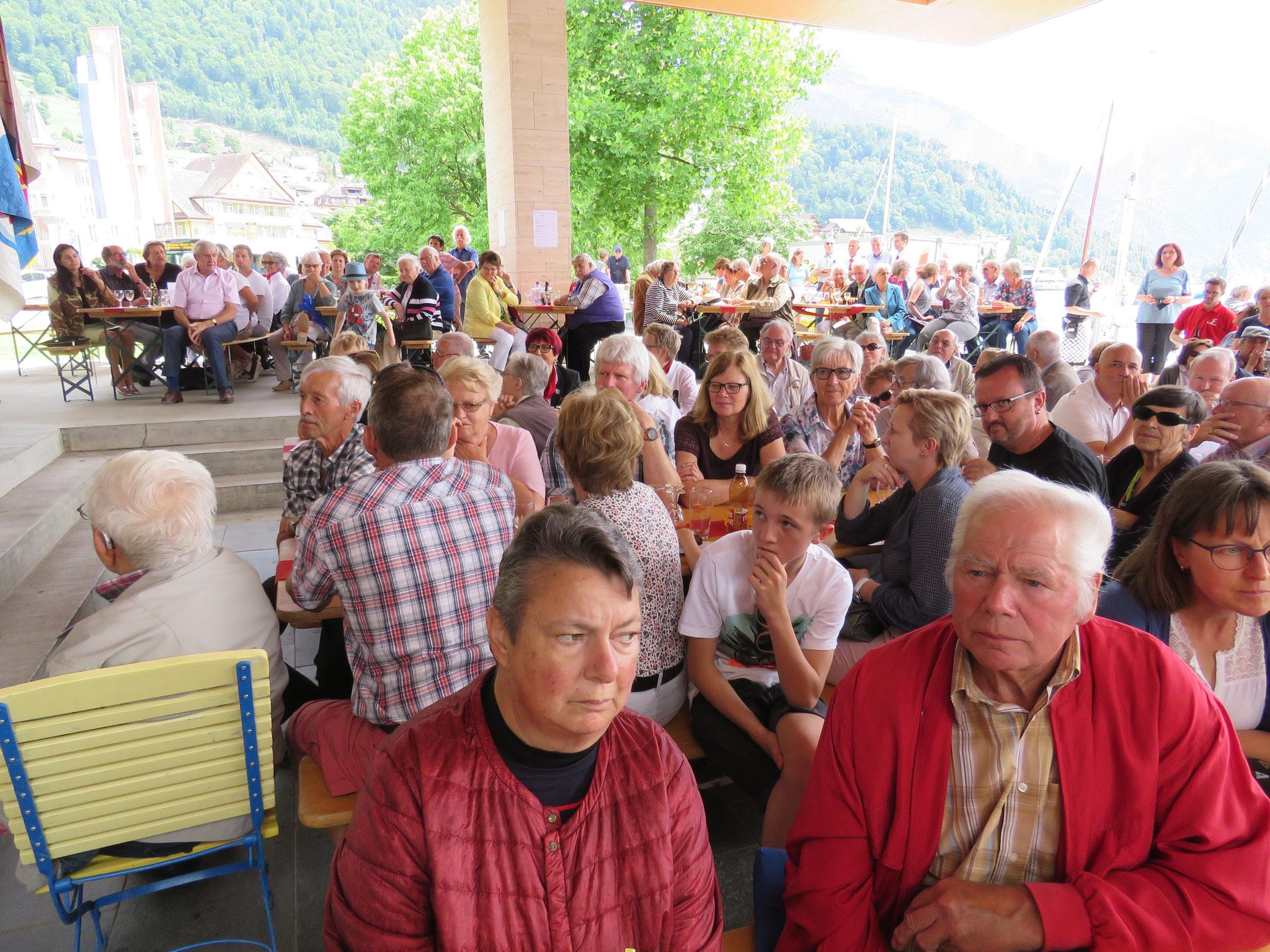 Wir durften bei wundervollem Wetter viele Besucherinnen und Besucher begrüssen.