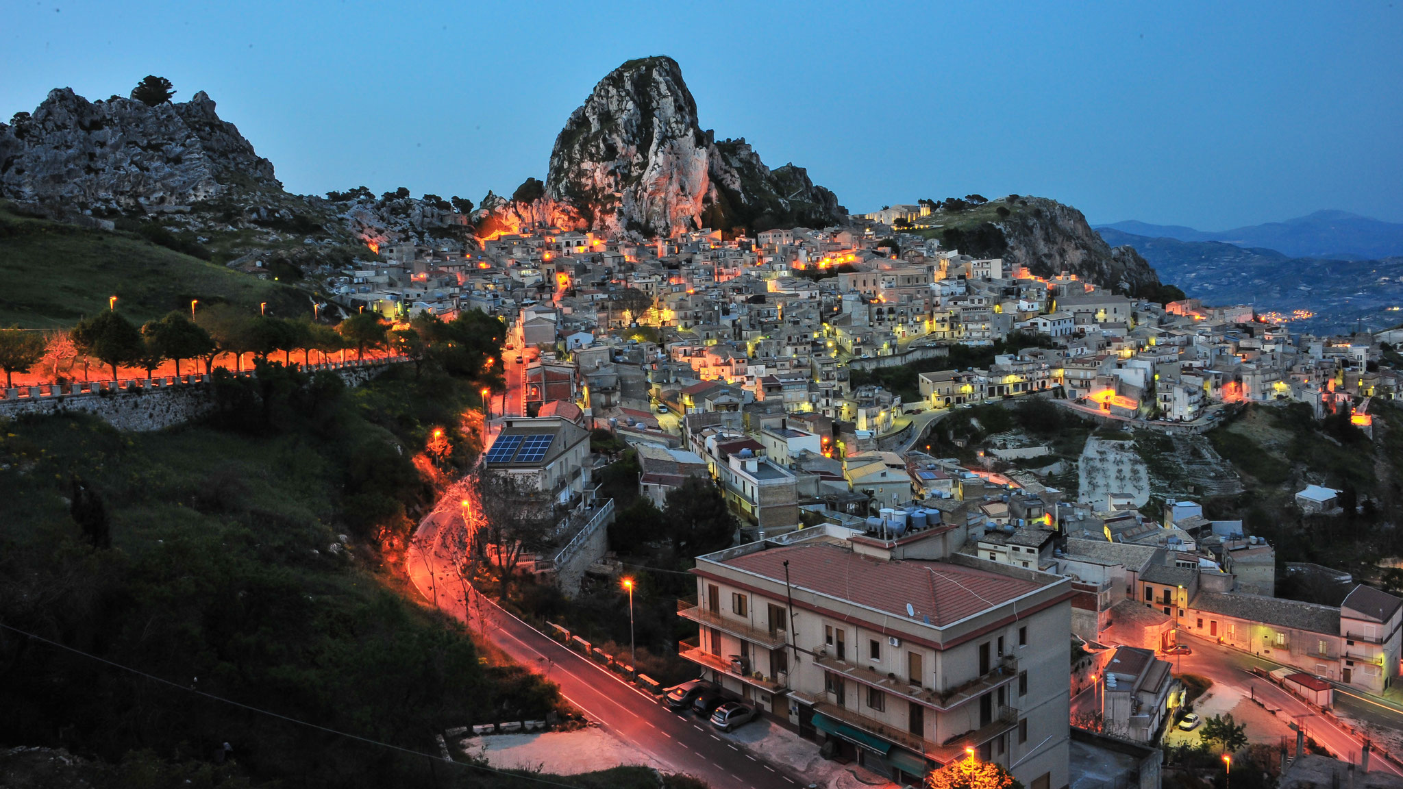 Sicilia, Village on the top of a mountain