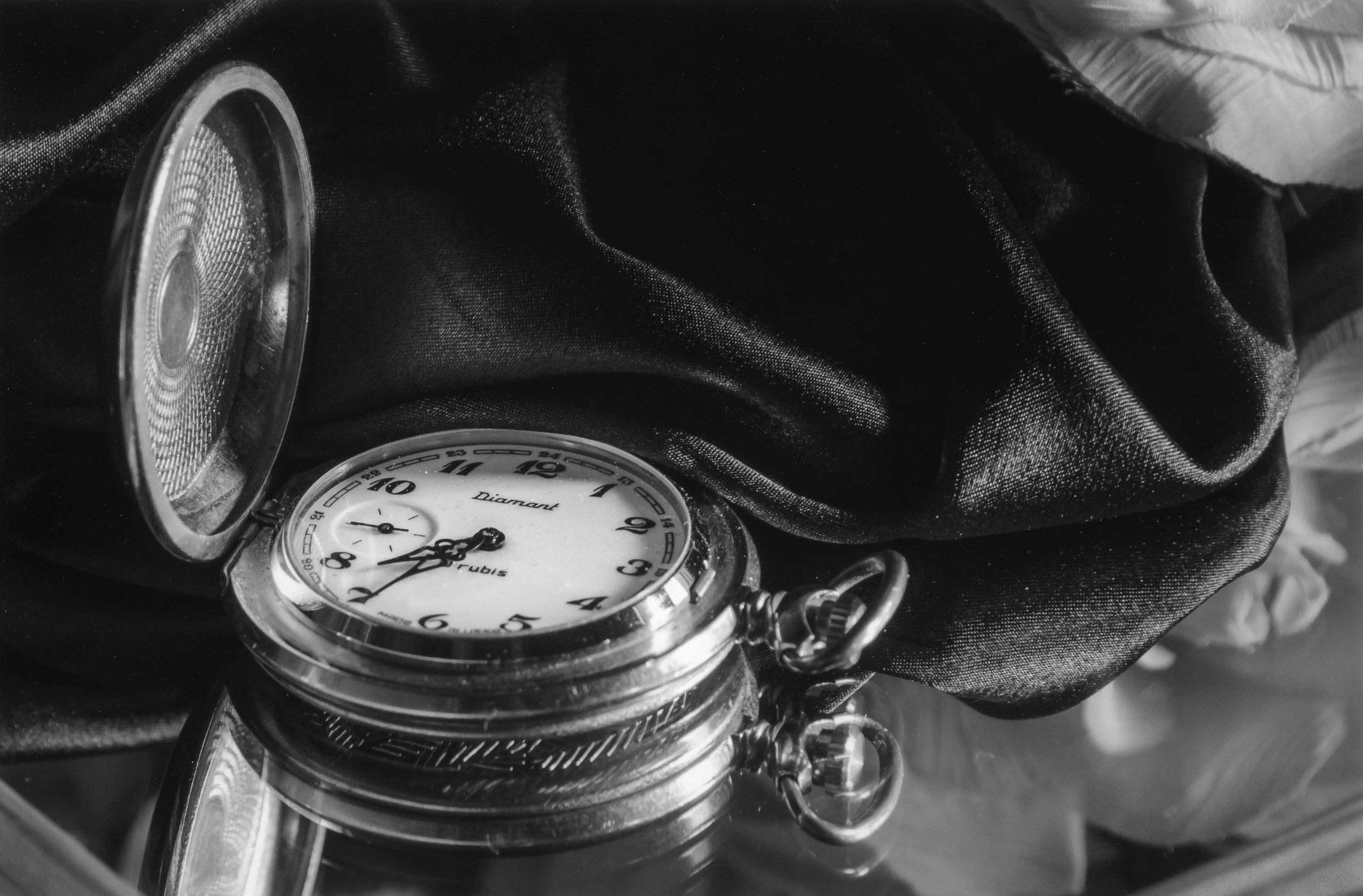 1er prix N&B : les marques du temps - Odile Troadec - L'heure à l'ancienne