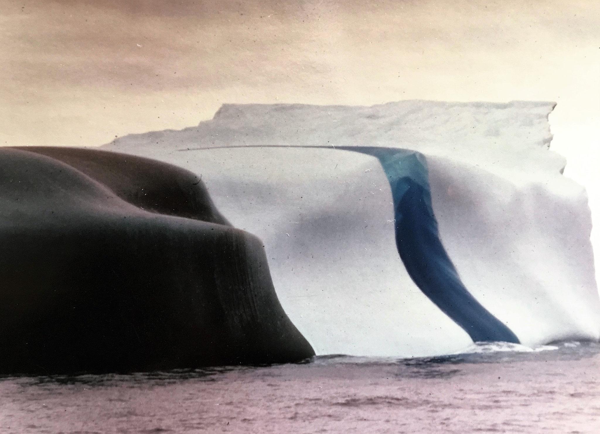 """Eisberg in der Antarktis - ein echtes """"Naturwunder"""""""
