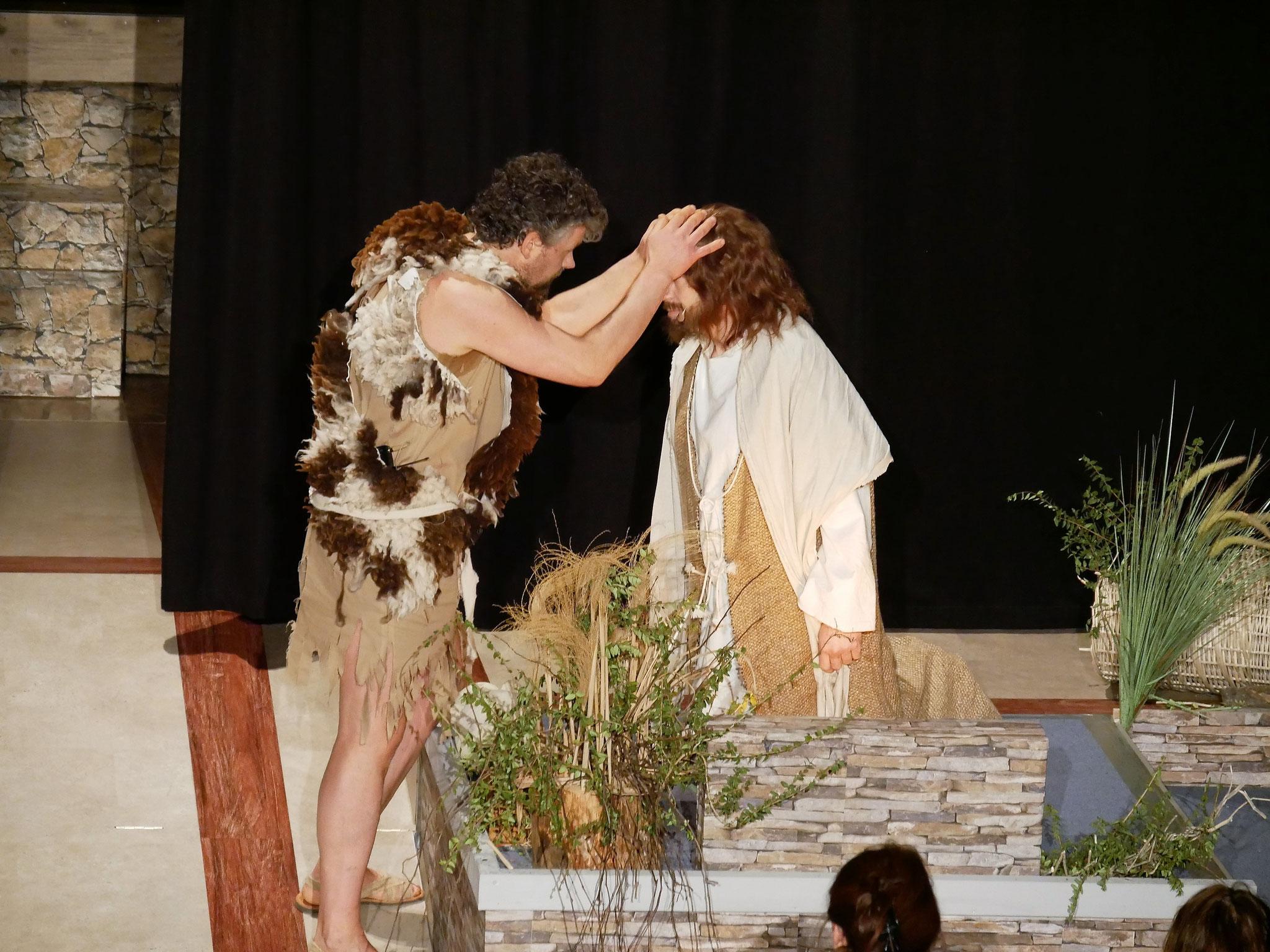 Johannes der Täufer tauft Jesus