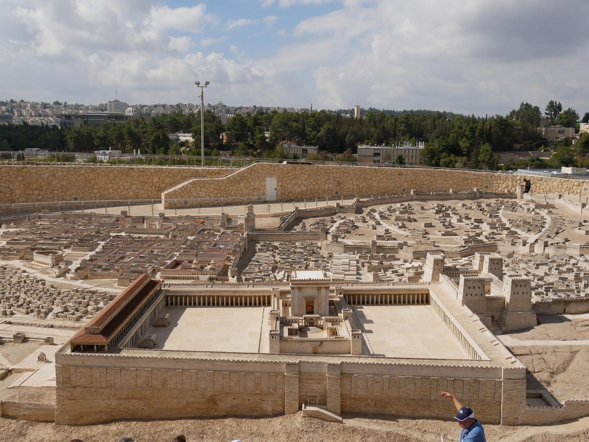 Im Israel-Museum - ein Modell 1 : 50 der Stadt Jerusalem zur Zeit Jesu, hier der Tempelberg