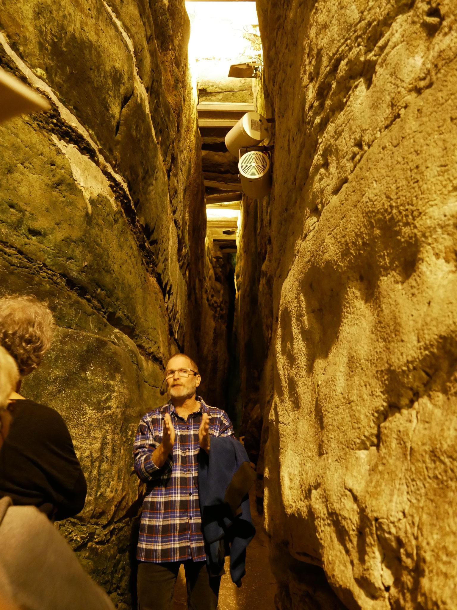 Im Hasmonäer-Tunnel an der Westmauer