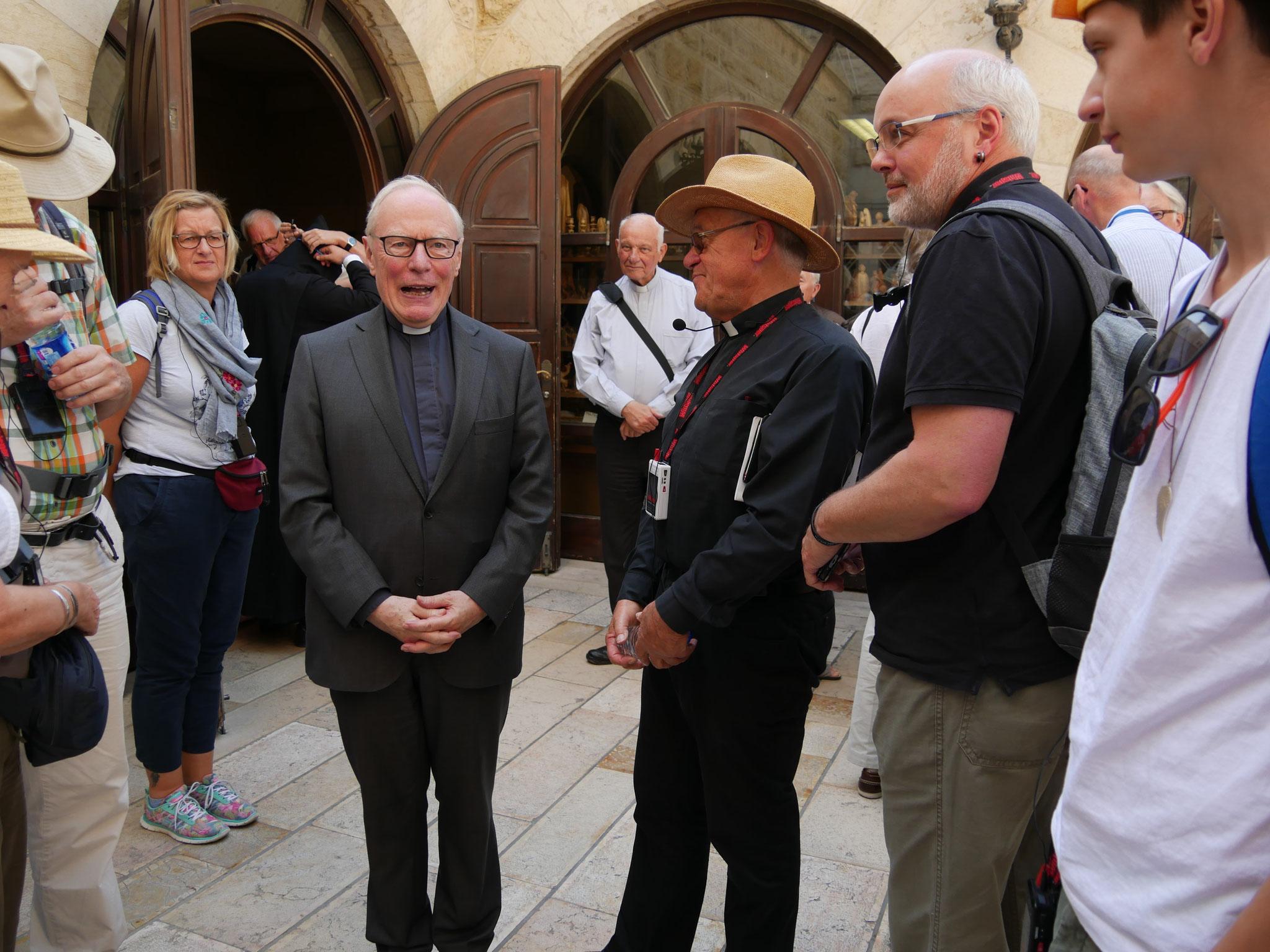 Hier treffen wir em. Erzbischof Werner Thissen aus Hamburg