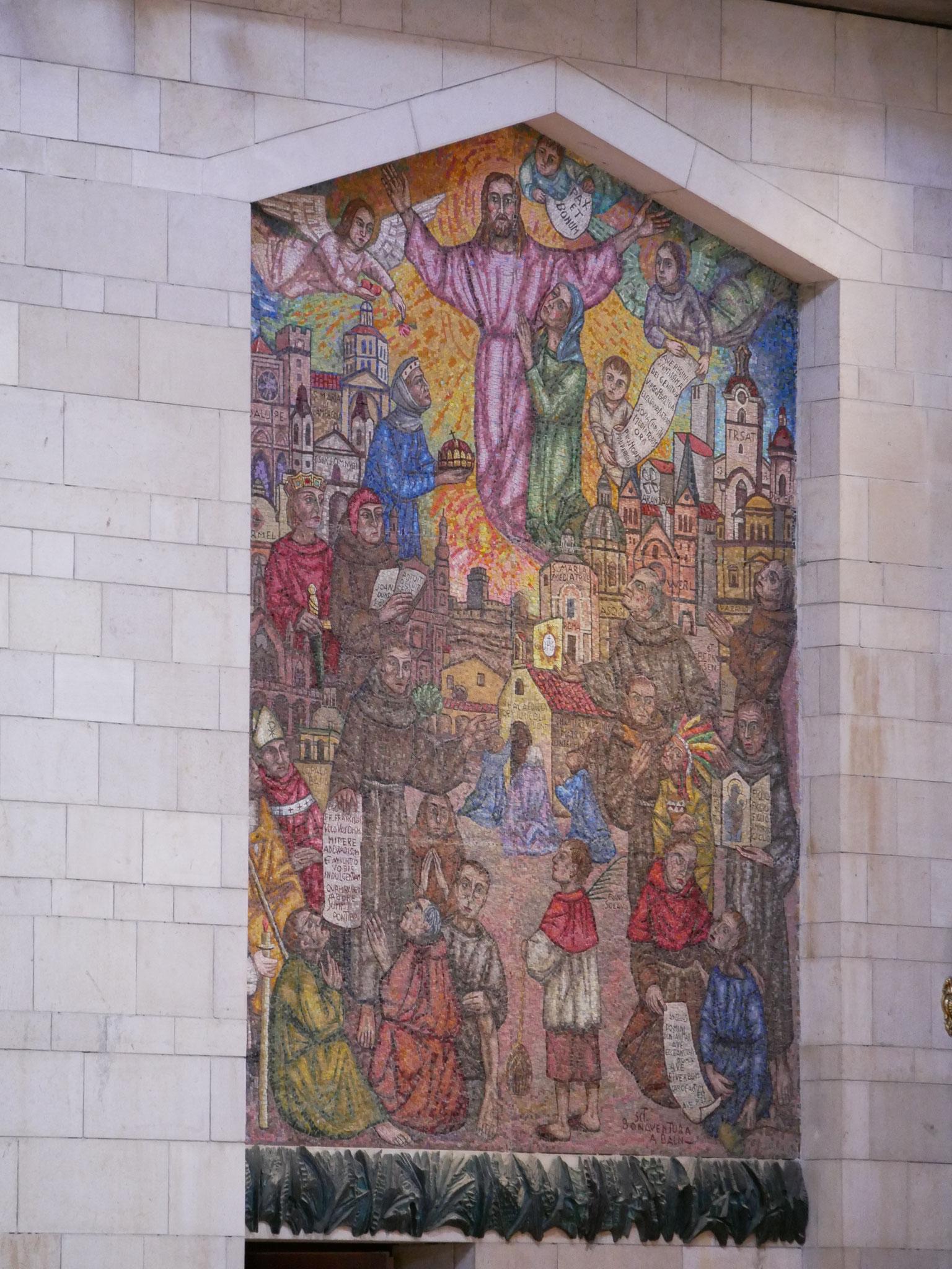 Wandteppich in der Basilika - auf dem alle franiskanischen Wallfahrtorte abgebildet sind, auch Werl - oben rechts
