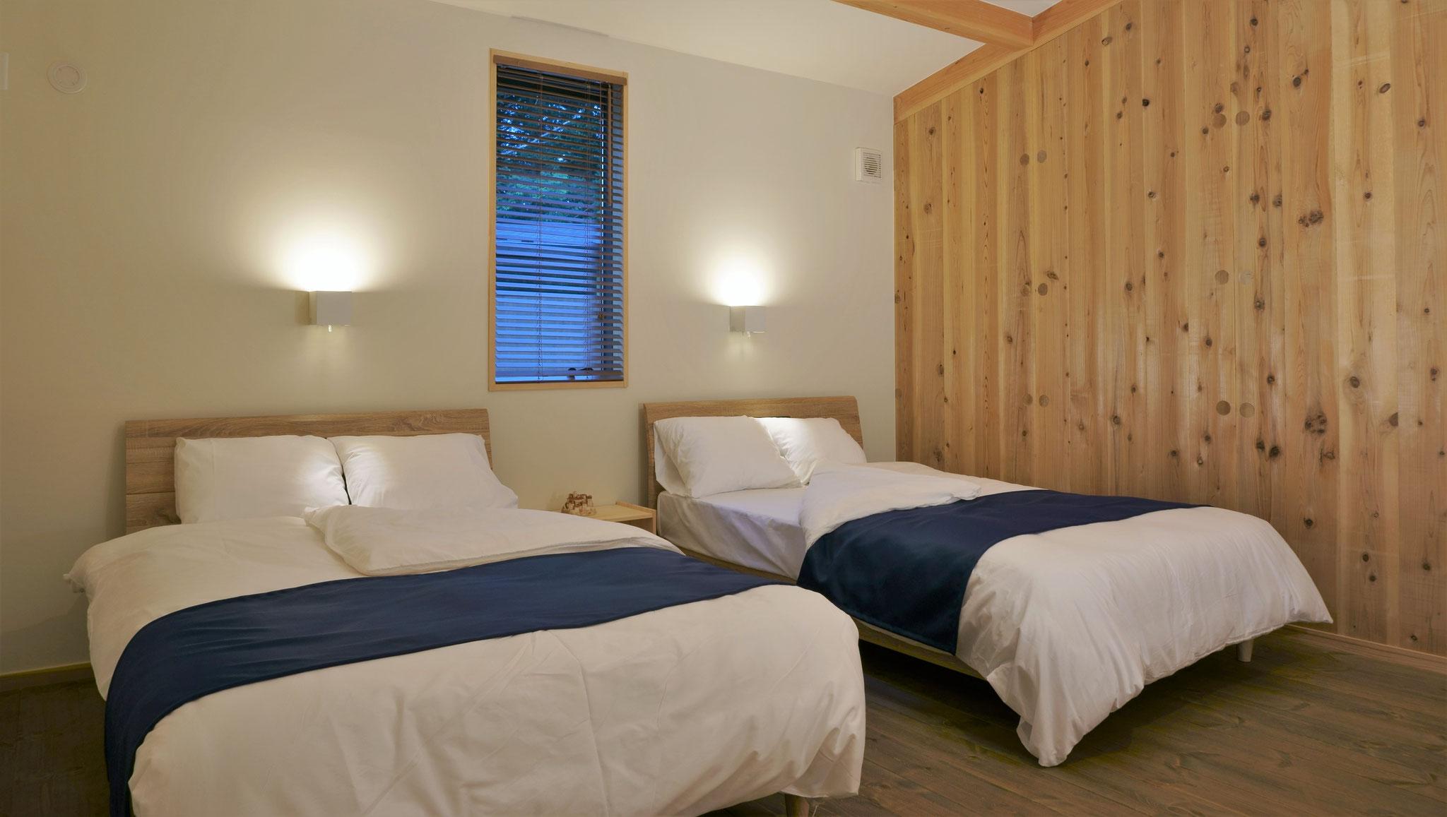 2人部屋 セミダブル Semi-double bed for Twin suites.