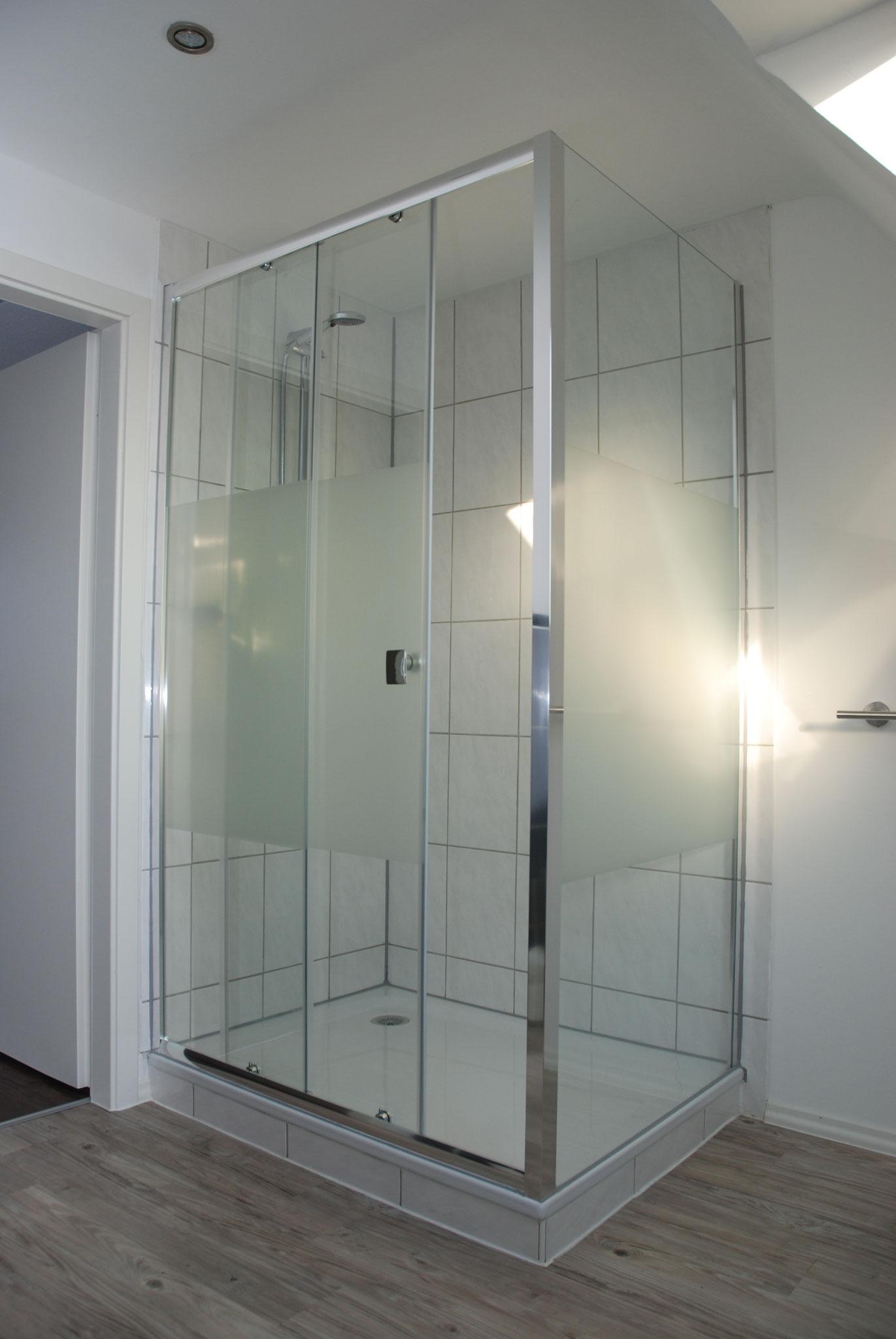 Große Dusche (90x120) oben