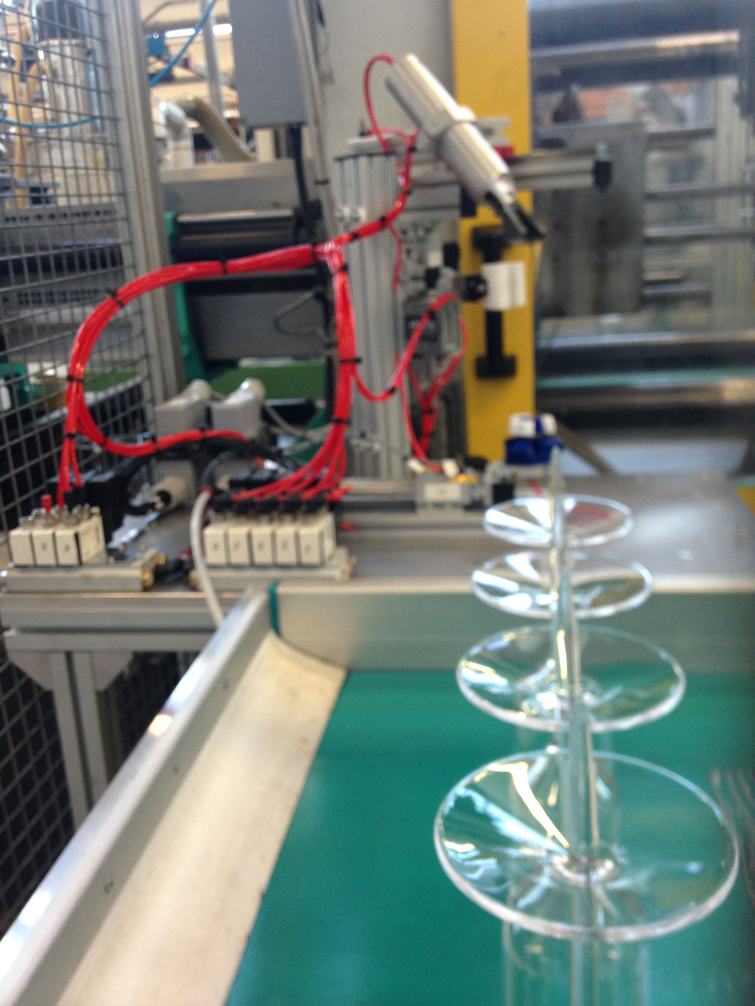 Automazione stampaggio e finitura calici