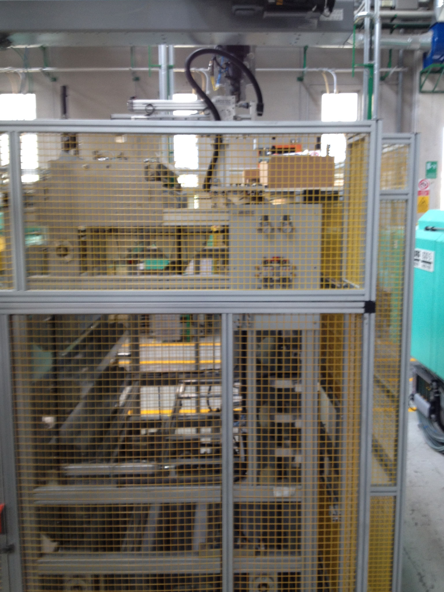 Protezioni in rete e profilo alluminio