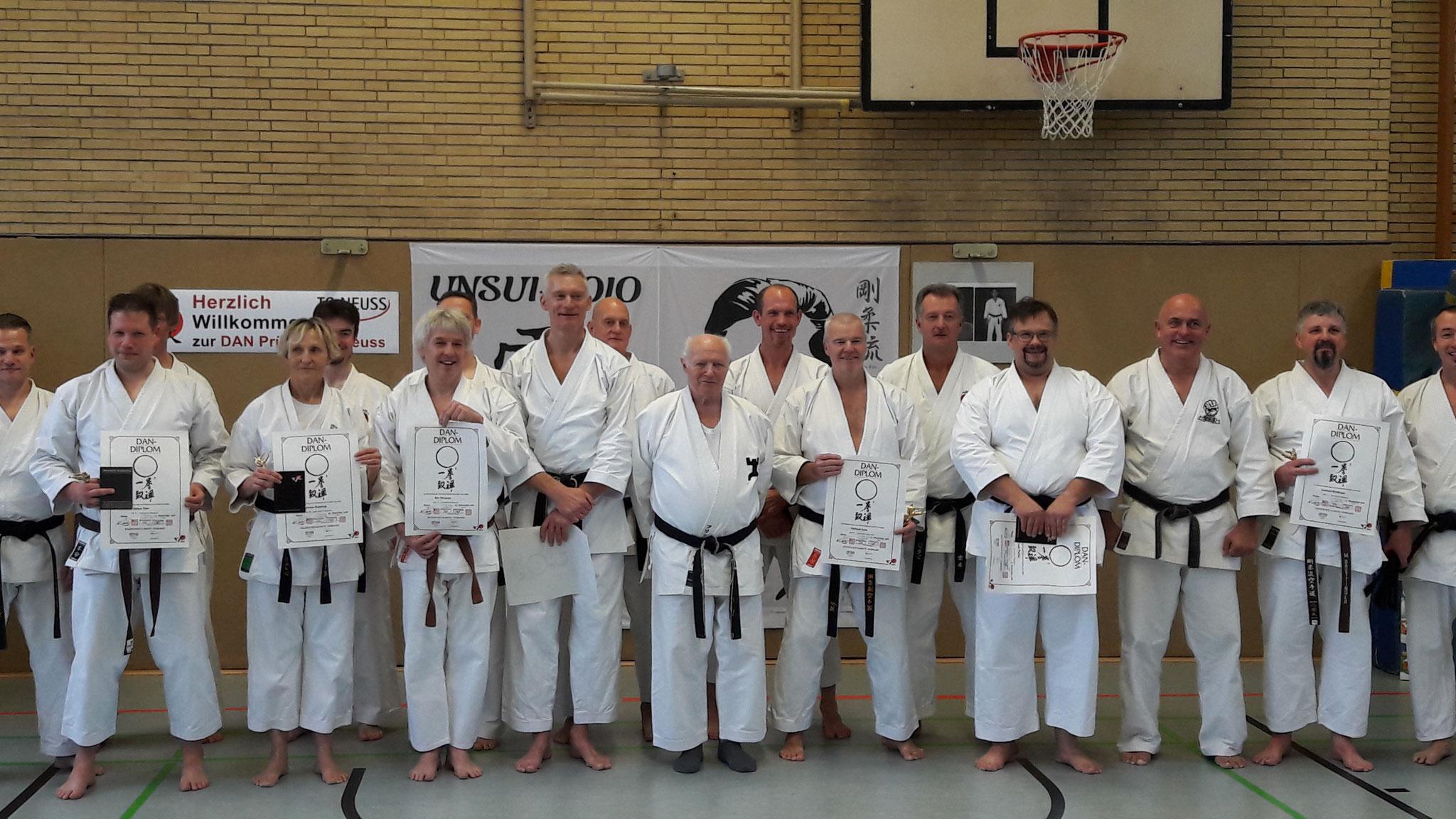 Karate Dan Prüfung von Gerd Wegner Glückwunsch zum 4.Dan und vielen Dank an den Partner Thomas Neumann