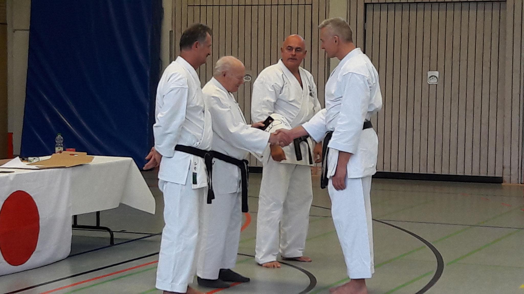Karate Dan Prüfung von Gerd Wegner Glückwunsch zum 4.Dan
