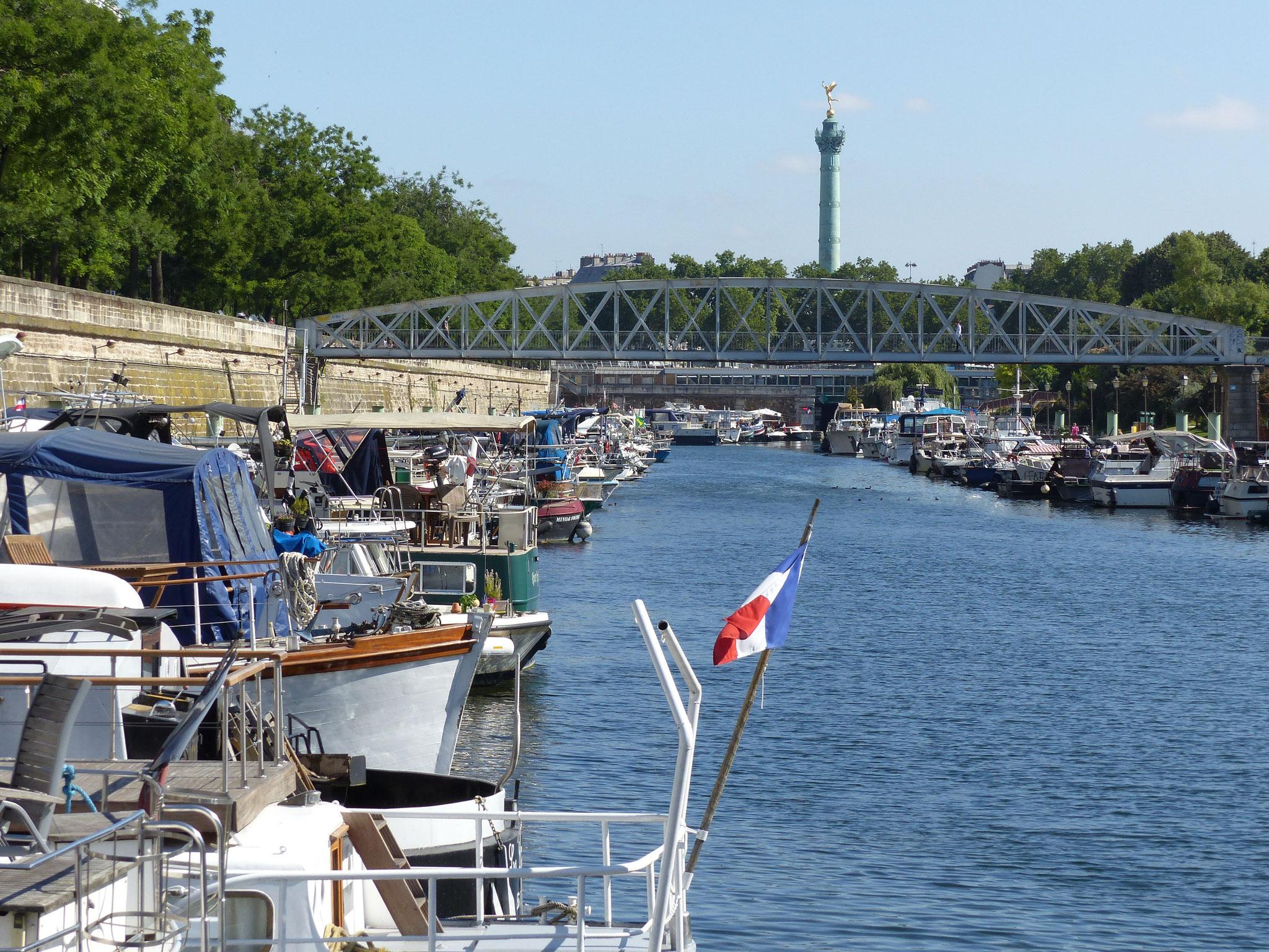 Port de l'Arsenal avec le Génie de la Bastille