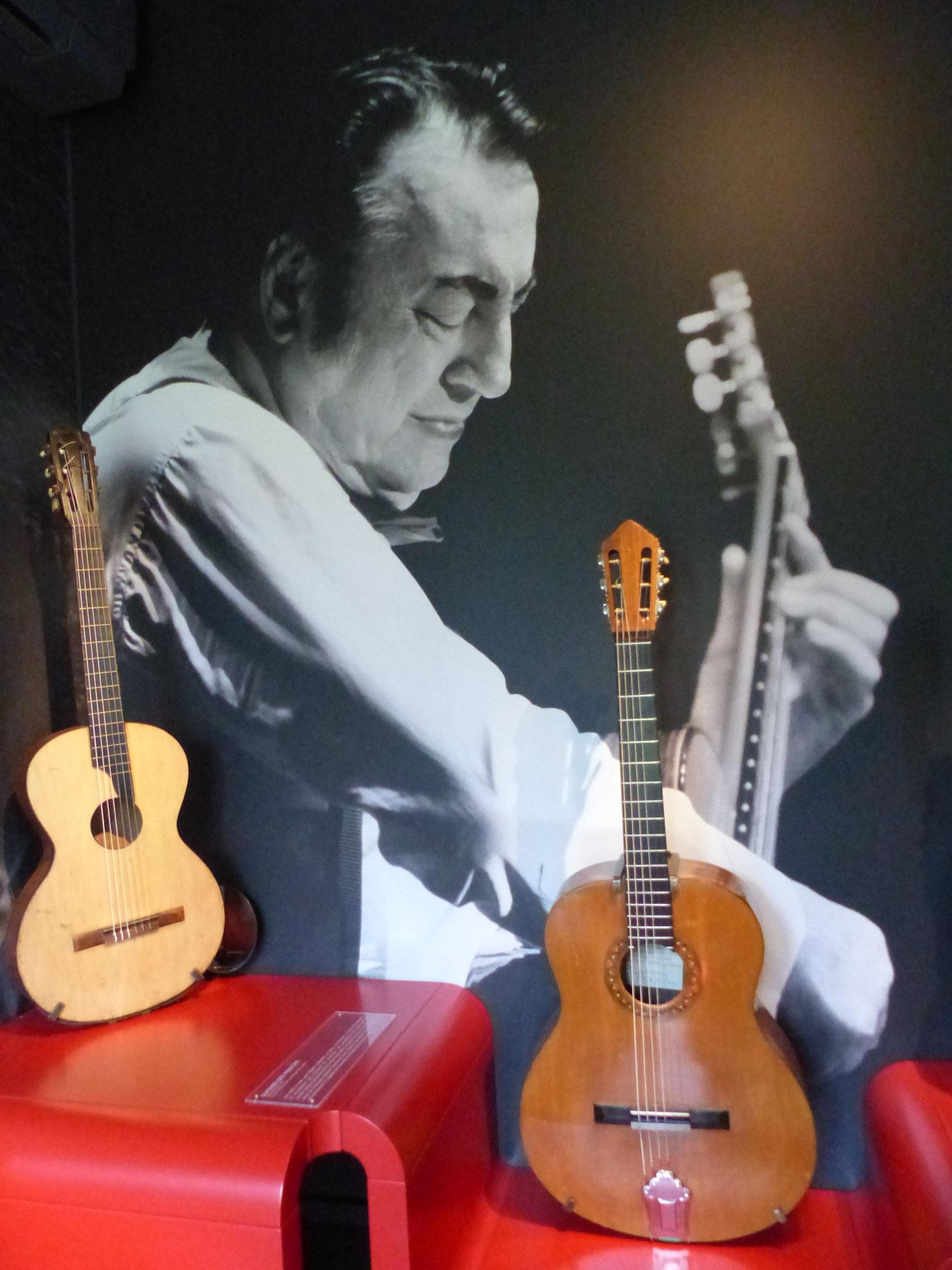 Sa guitare offerte par Georges Brassens