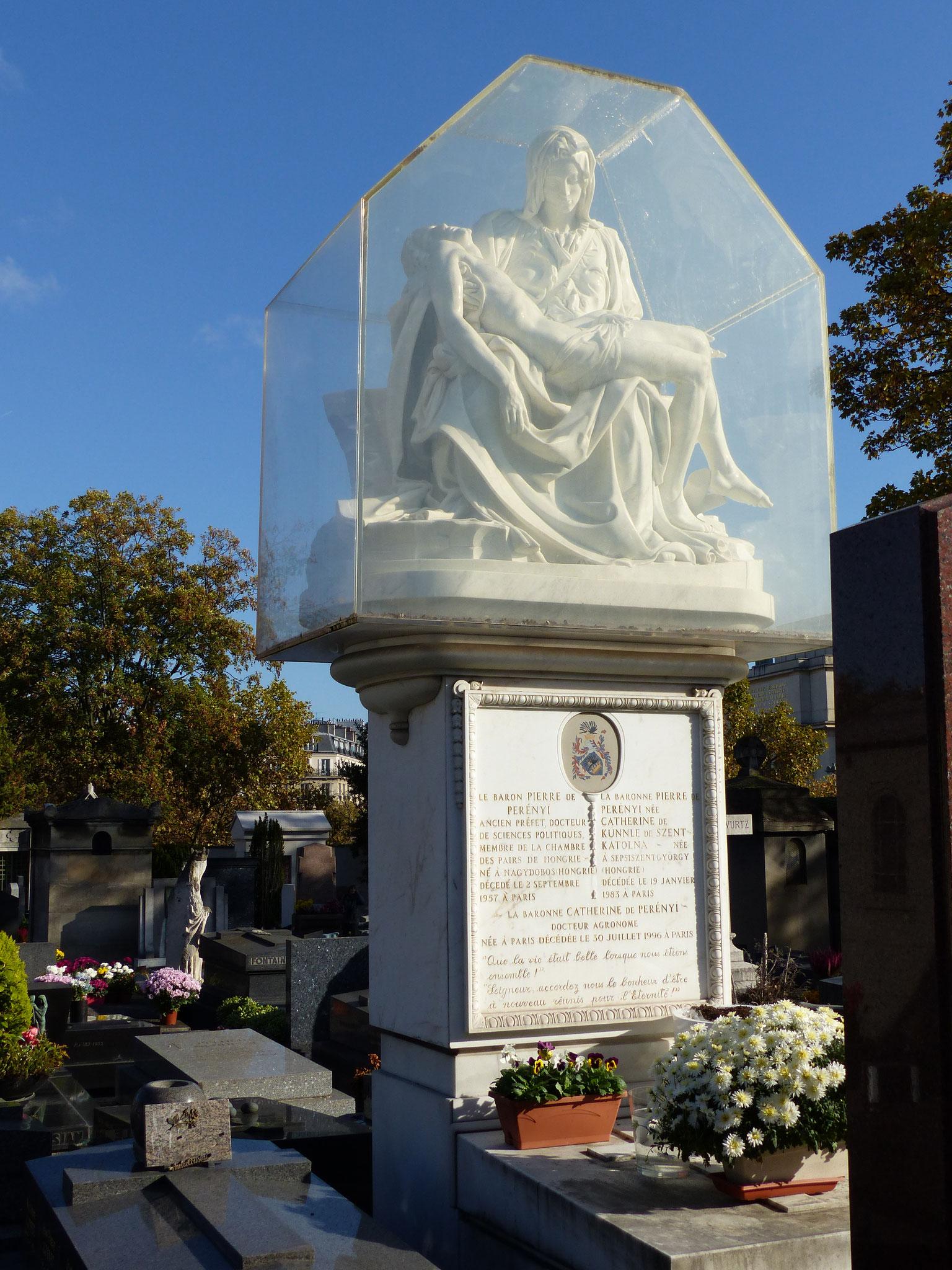 Reproduction de la Pieta de Michel - tombe Baron Pizeez sz Pzeznyi