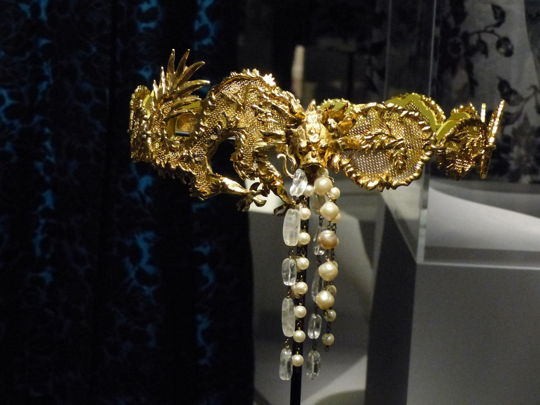 Ceinture-bijou de métal or perles de verre et nacre