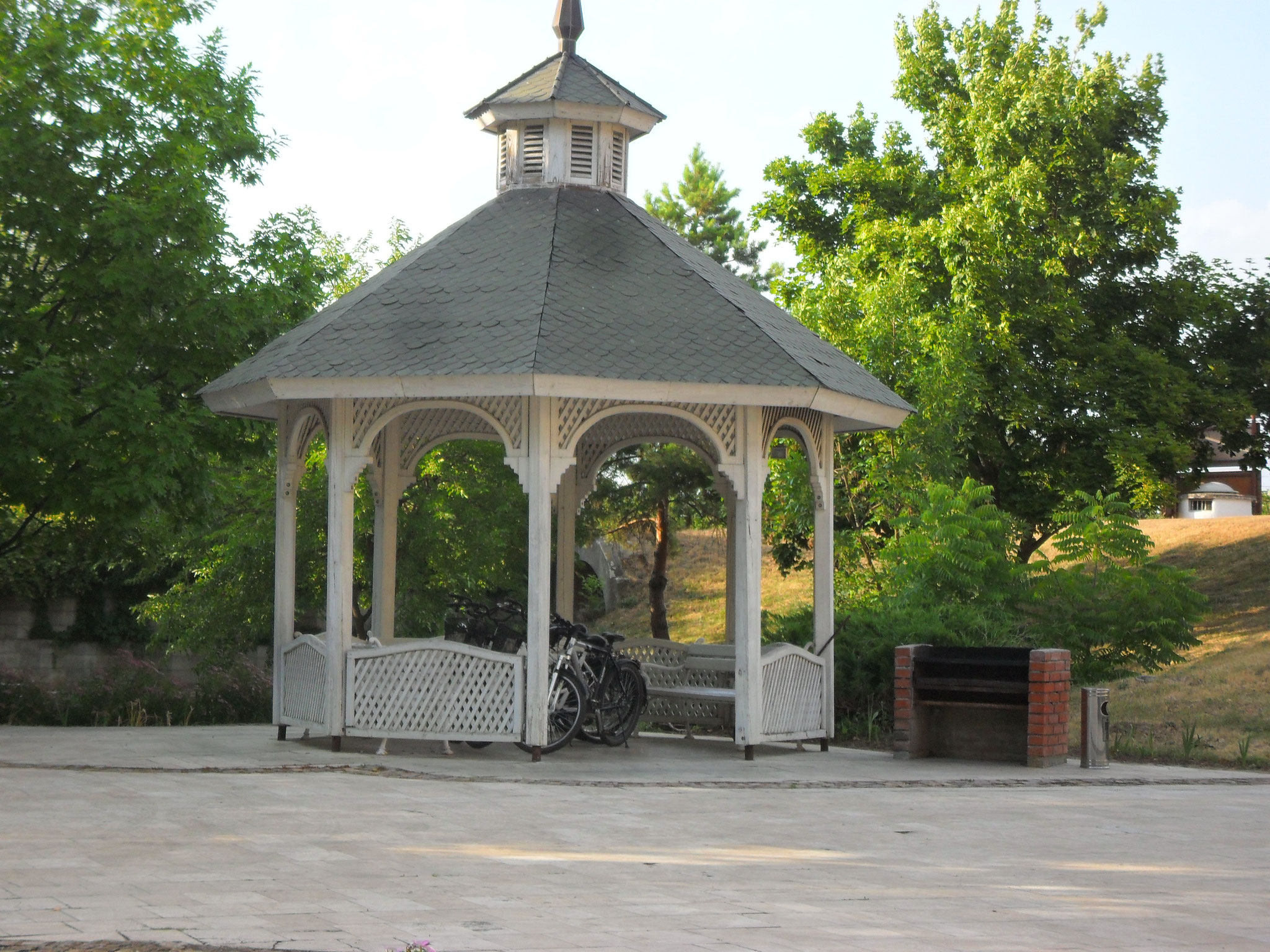 Der Pavillon mit Fahhrädern zum ausleihen