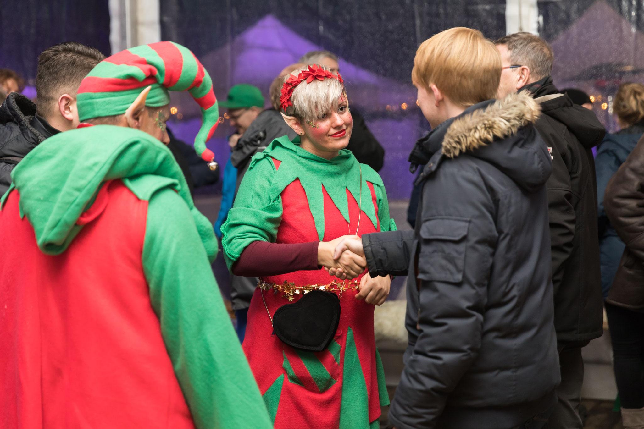 <h2> NEU! Finnisches Weihnachtsdorf </h2> Verzaubern Sie Ihre Gäste!